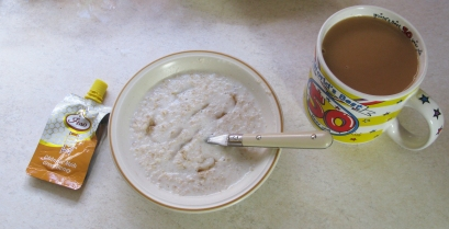The ideal breakfast, a pint of tea, porridge and honey