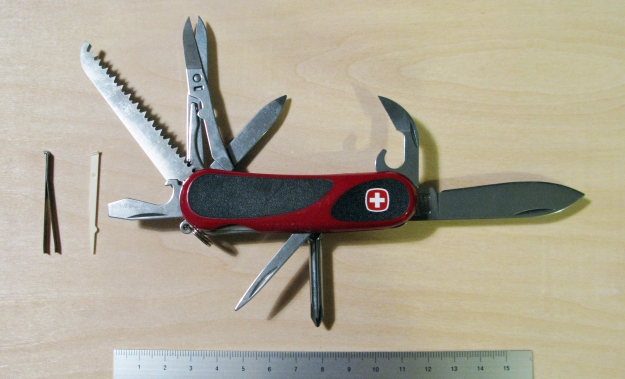 Wenger Evo 18 knife