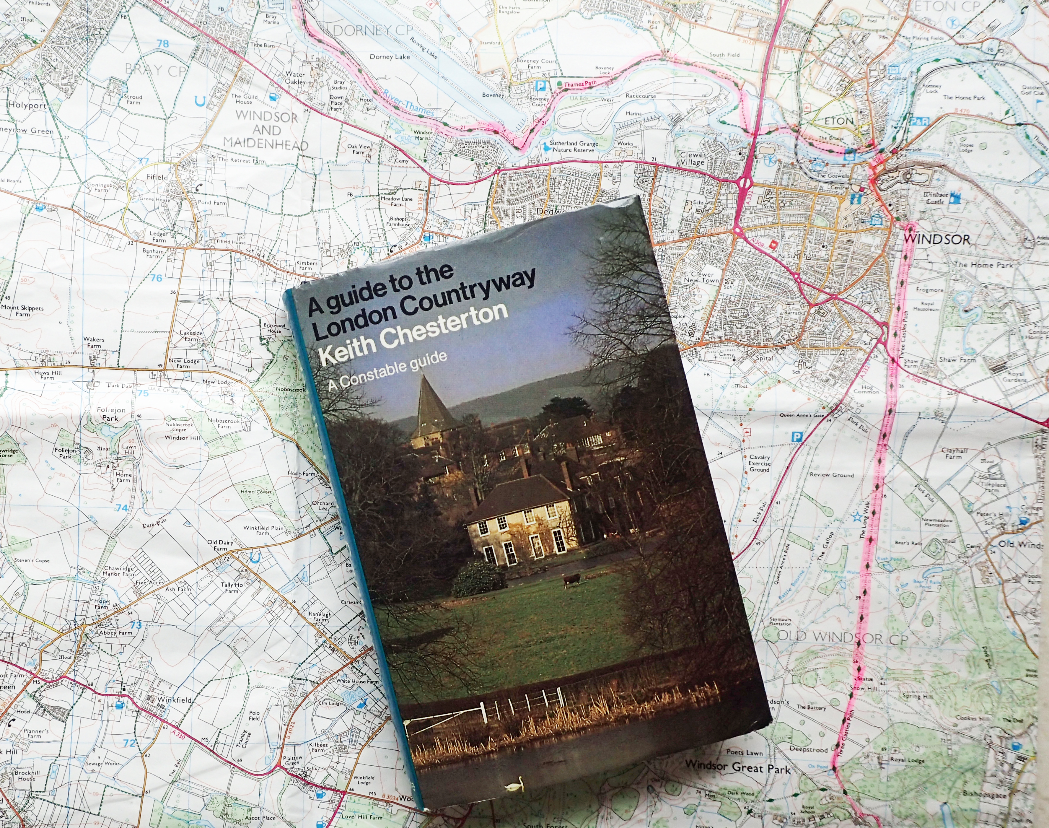 1981 edition of Keith Chesterton's A guide to the London Countryway with OS Explorer sheet 160, covering Windsor, Weybridge & Bracknell