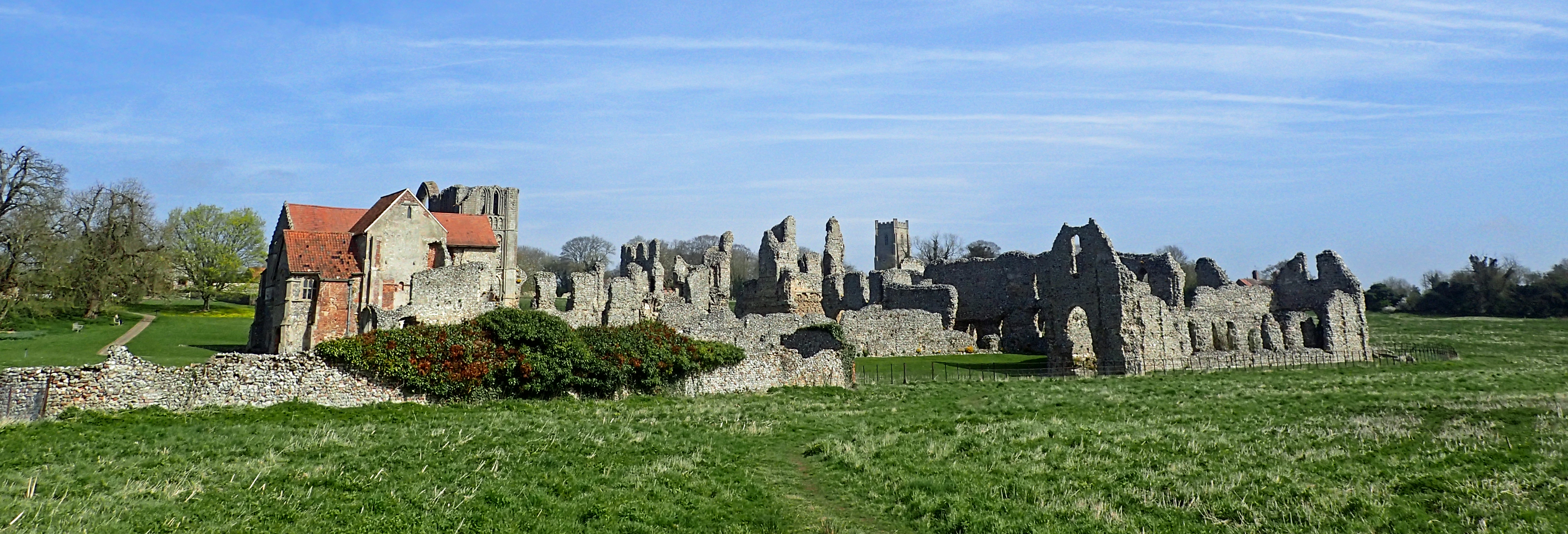 The gem of the Peddars Way is probably the remains of the Cluniac Priory at Castle Acre. I chose not to join the hordes of people, instead, walking the circumference
