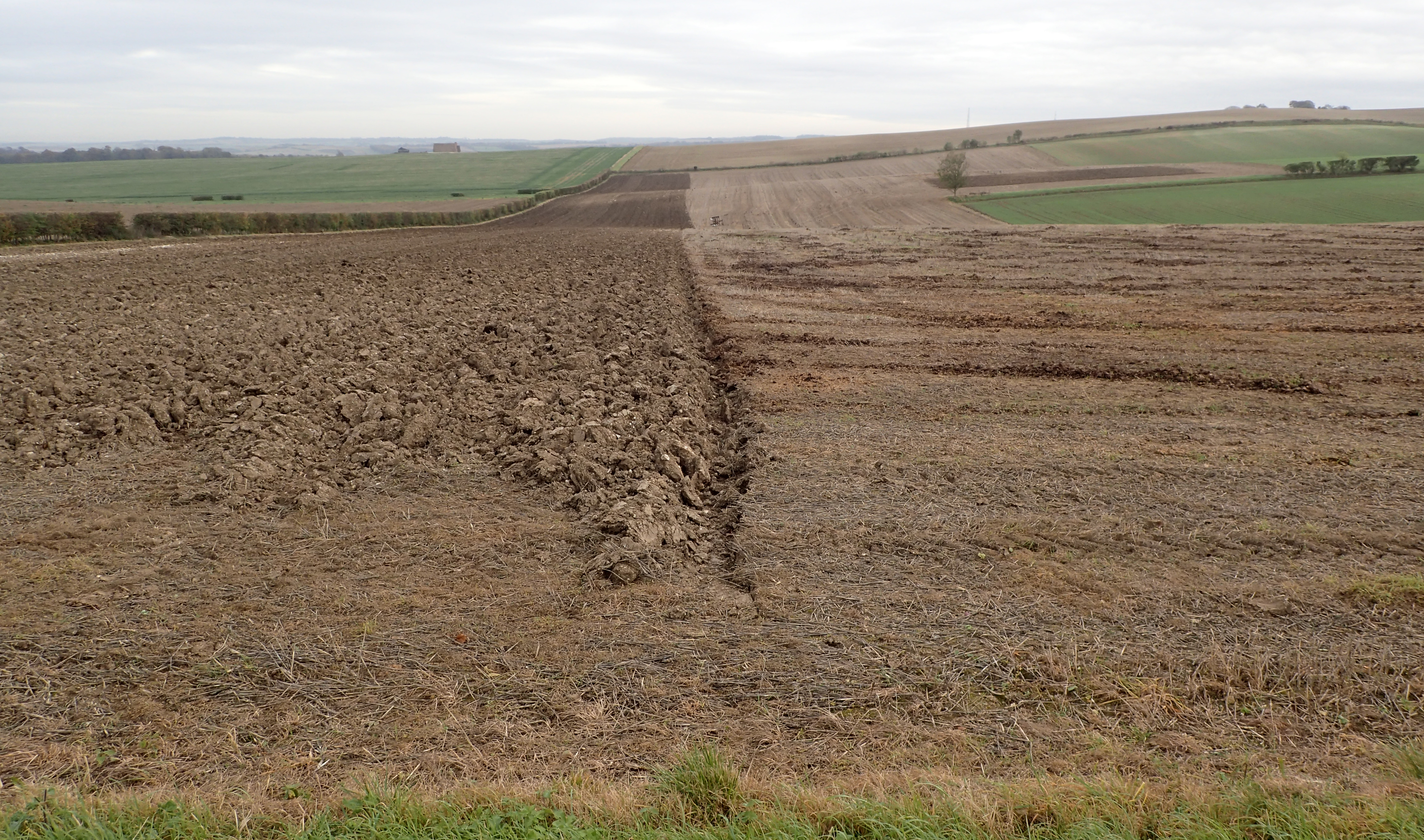 The middle section of the walk saw my trail crossing a mainly agricultural landscape. Farm vehicles were much in evidence and the fields were often being worked on