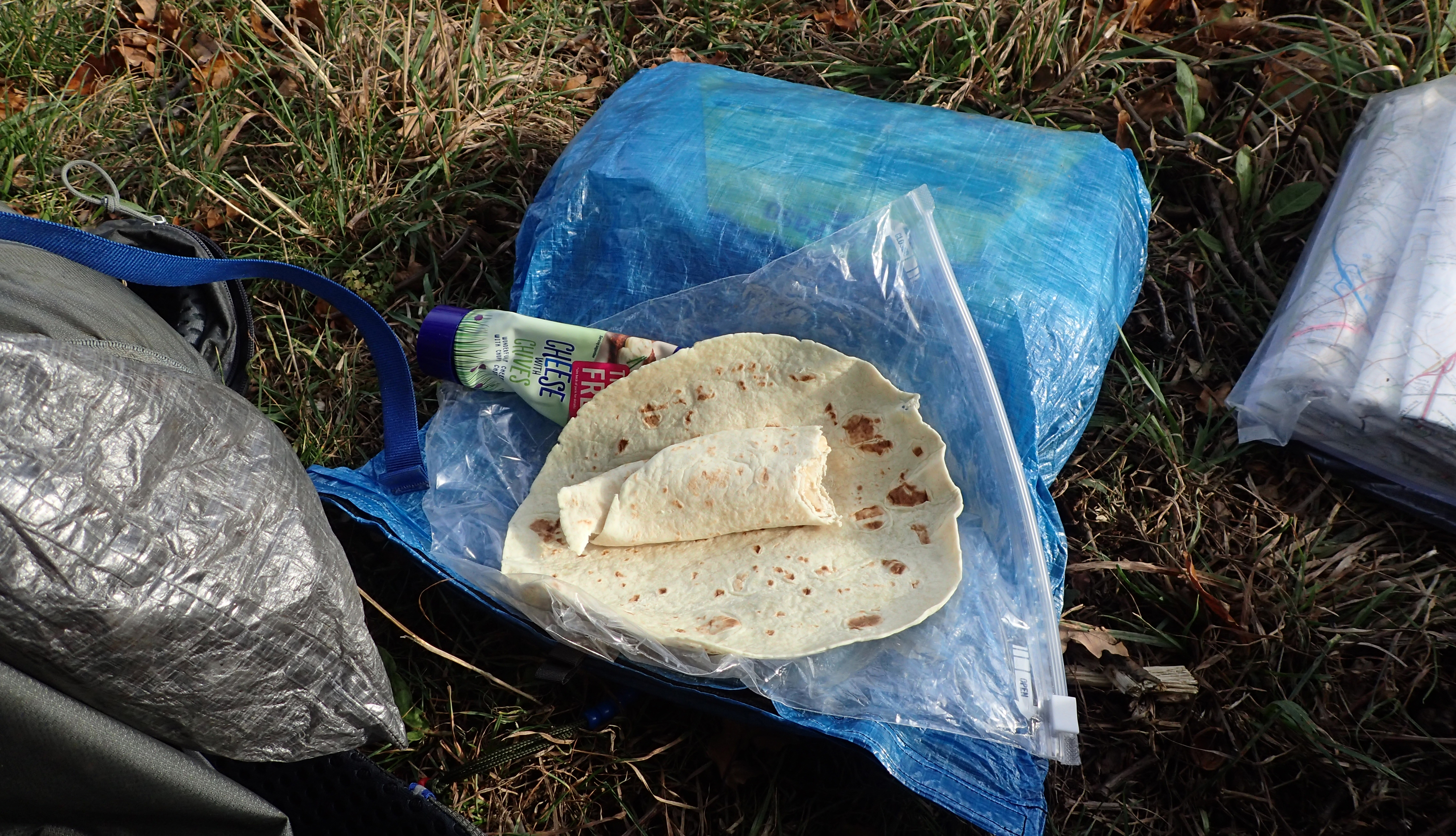 A basic lunch on trail