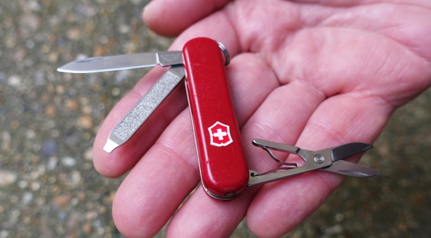 Victorinox Signature Lite. The best of the 58mm knives based on the Classic