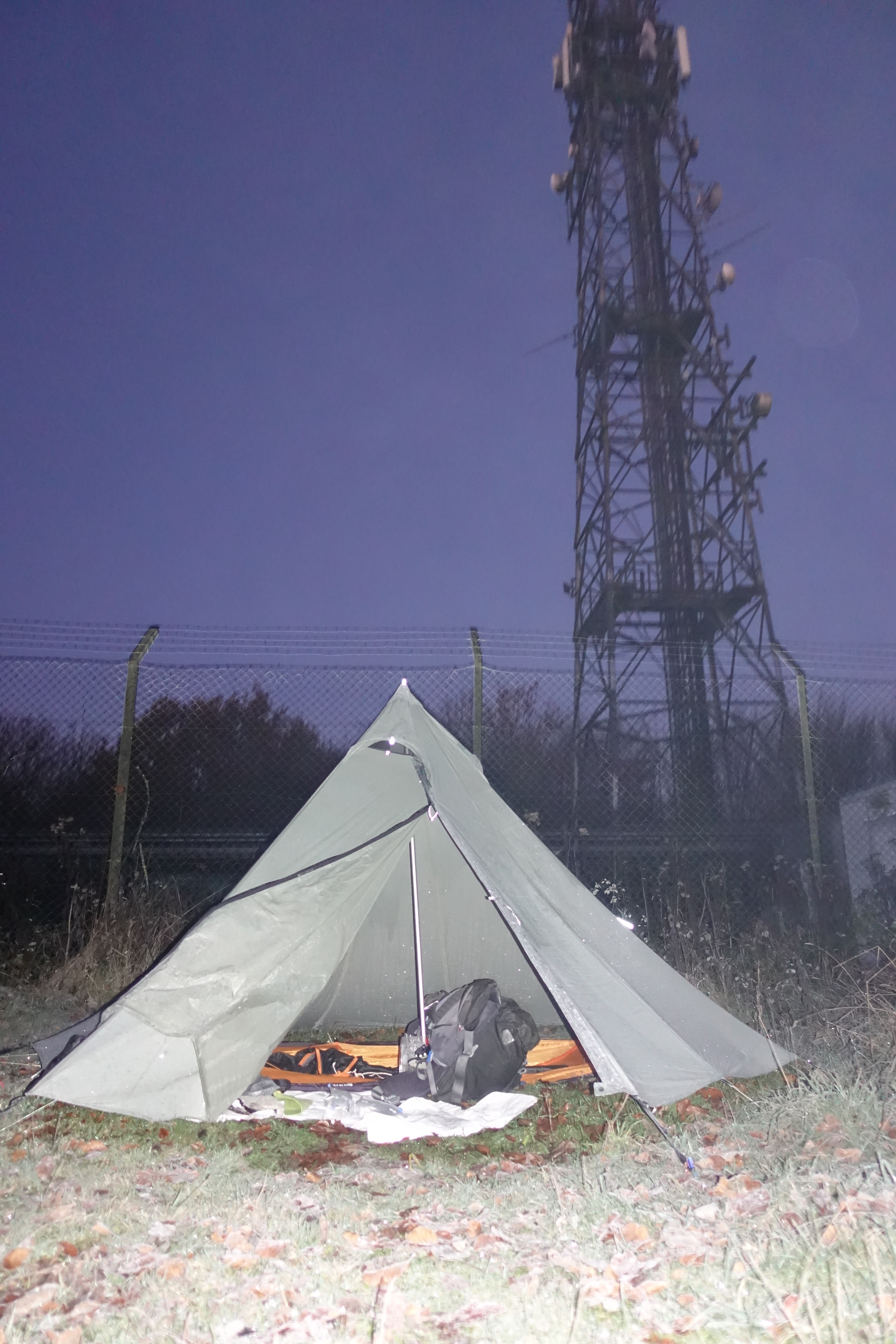 Saturday night's camp was on Glatting Beacon. I arrived around 16.30 and immediately pitched, it was dark by the time my shelter was up
