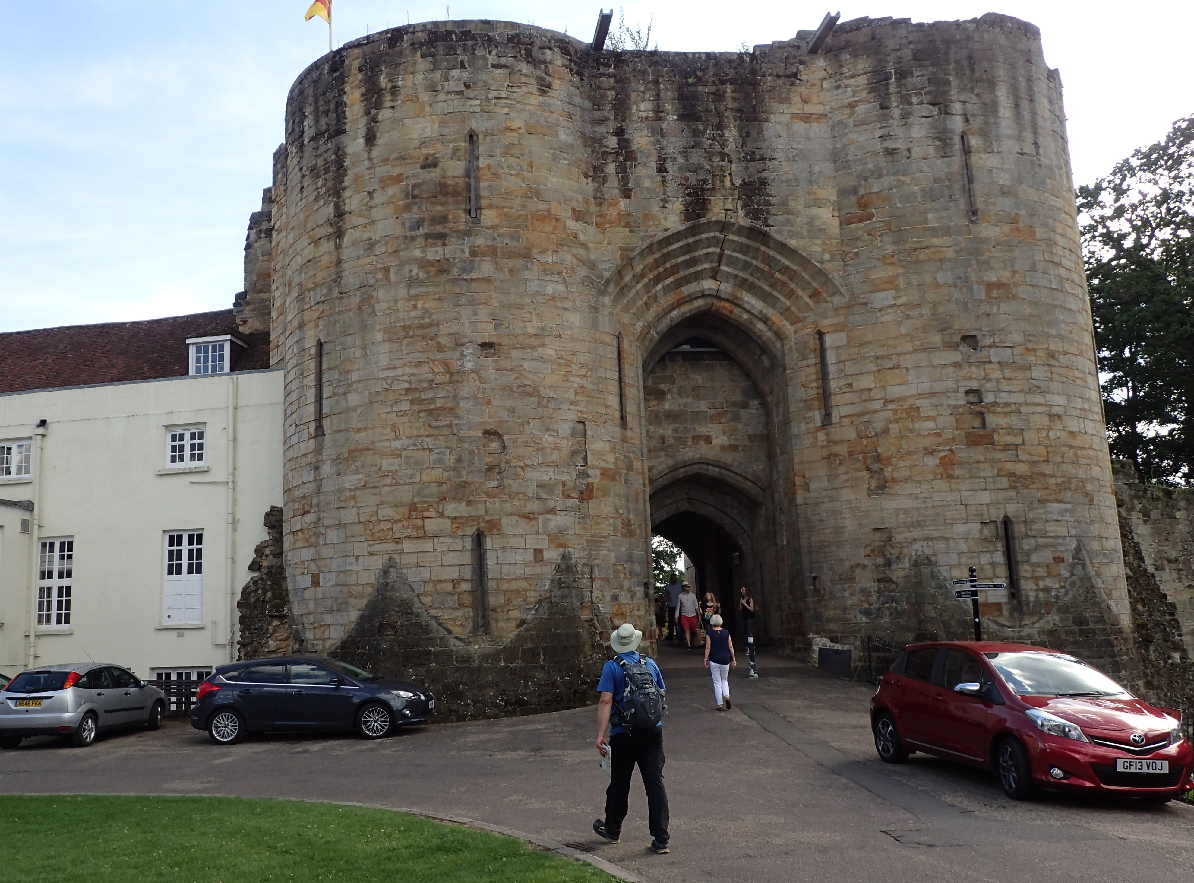 The 13th century gatehouse and curtain walls are almost all that remain of Tonbridge Castle. Built by the Normans, it stands on the site of a Saxon fort