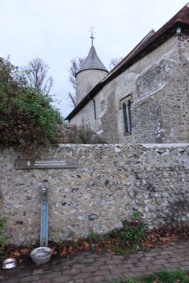 Only a kilometre away from my days halt at YHA South Downs, I had no need to avail myself of the working tap in the wall of Southease Church. The uncommon tower is one of only three round towers found in Sussex