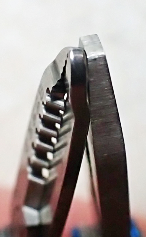 Tips of electricians (left) and normal pliers (right) compared