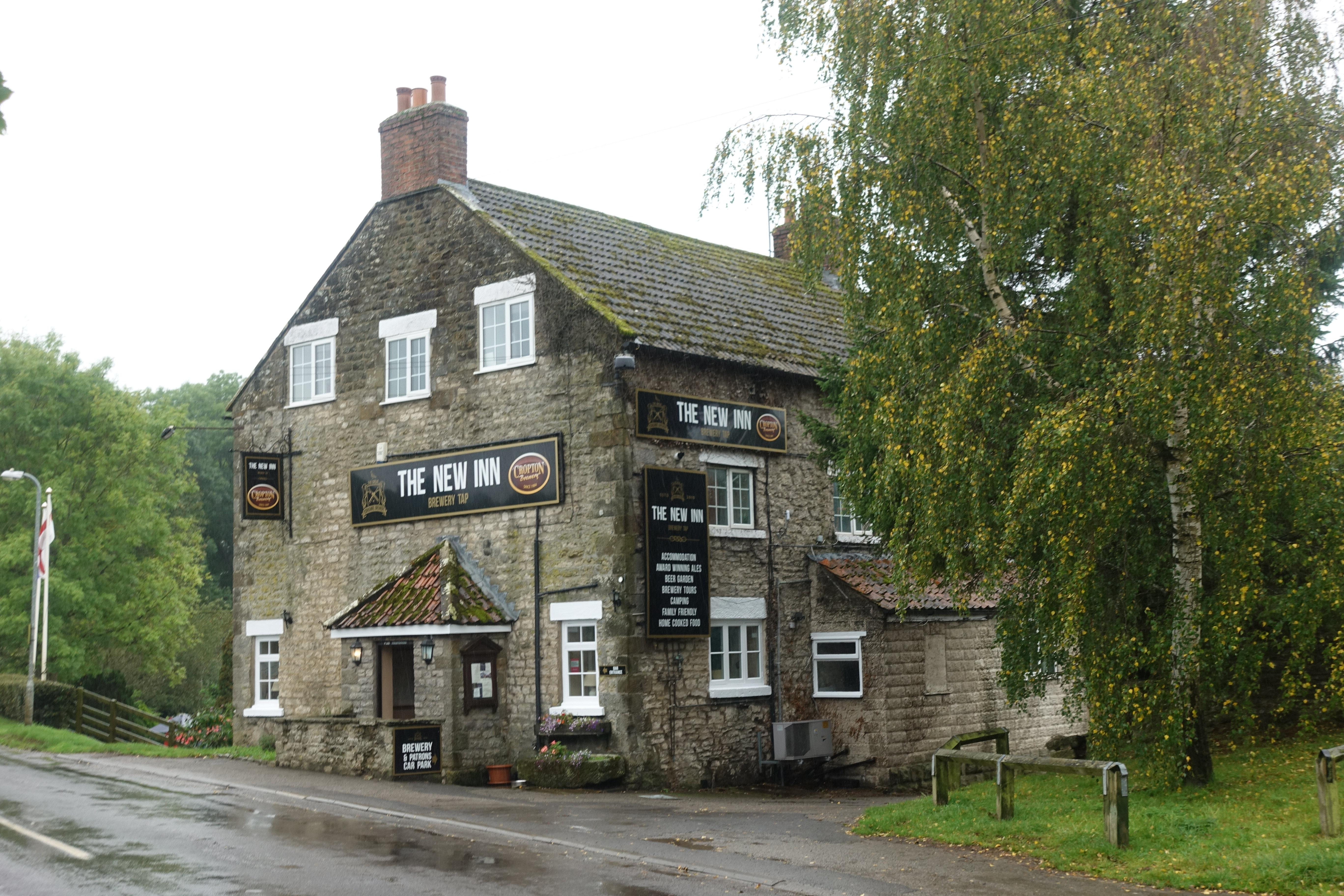 The New Inn at Cropton steadily filled with dog walkers and hikers. Excelent food and drink with welcoming staff, what more can you ask for