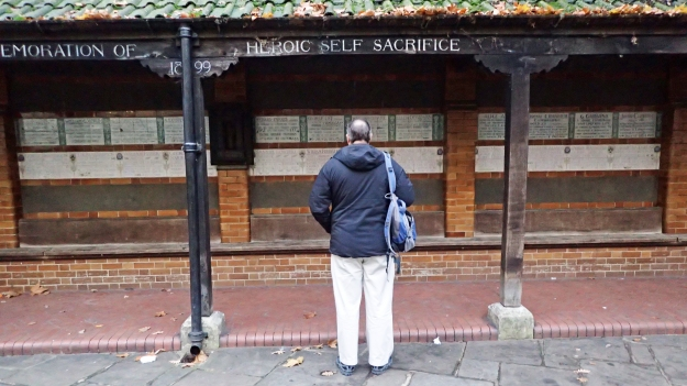A brief halt in Postman's Park