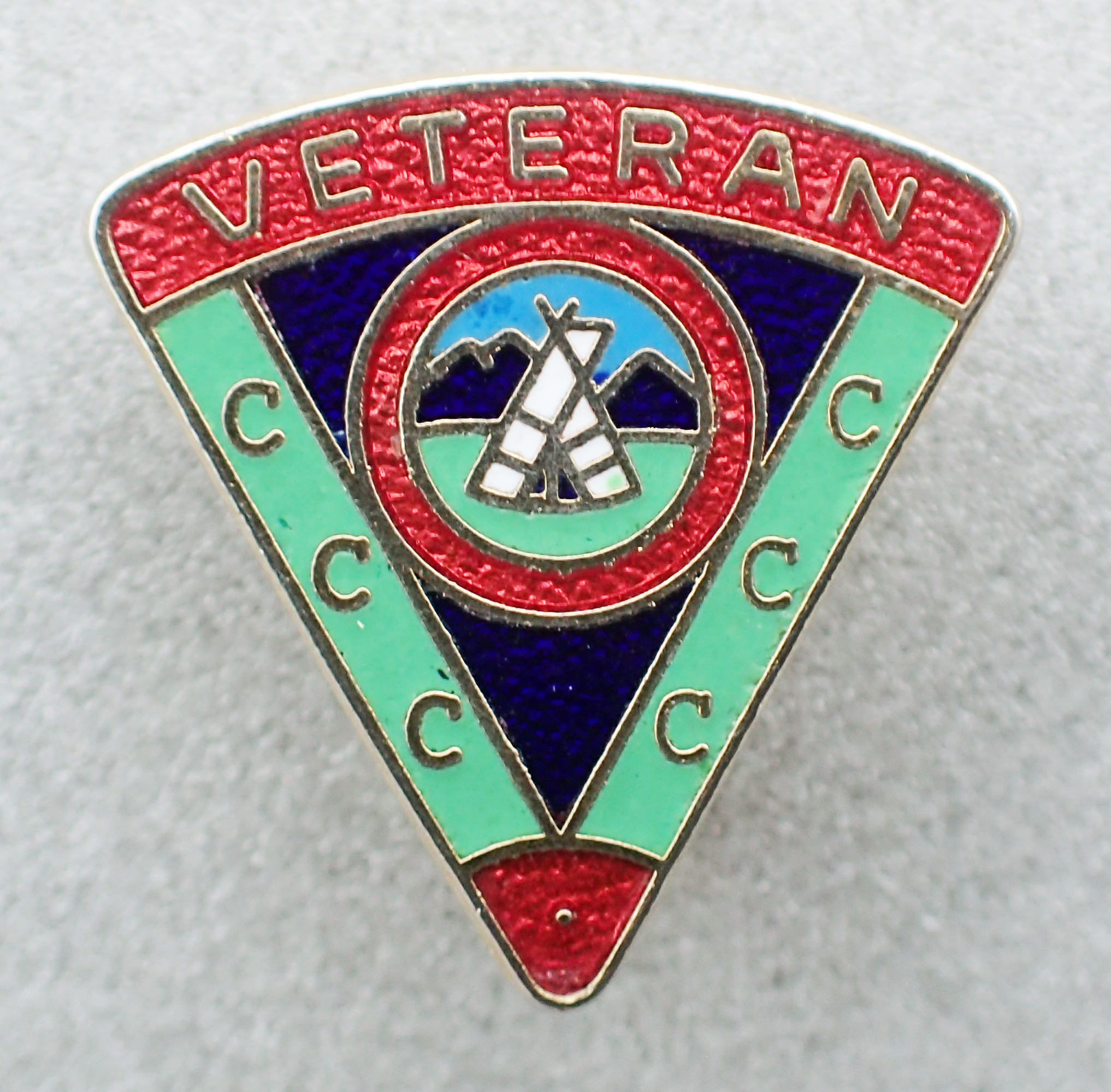 'Veteran's' badge, signifying longstanding continuous membership of the Camping and Caravanning Club