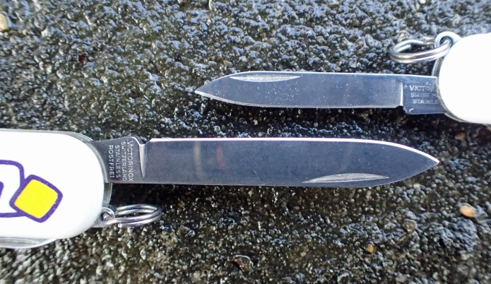 Blades of 58mm Classic and 74mm Ambassador compared. For just a little longer knife you get a lot more capable blade