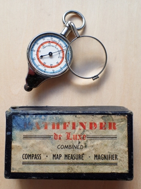Pathfinder de Luxe, this measurer features map reader, compass and a magnifying glass that swivels out for use