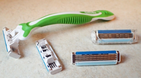If carrying disposal razors, only one handle need be carried as the heads are often interchangeable