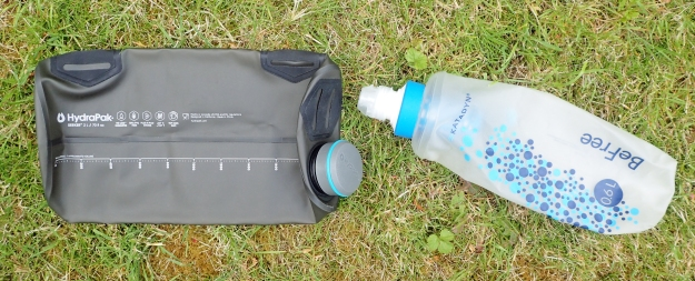 2 litre HydraPak bladder and 0.6 litre BeFree TPU bottle, also made by HydraPak. Cap and filter are interchangeable