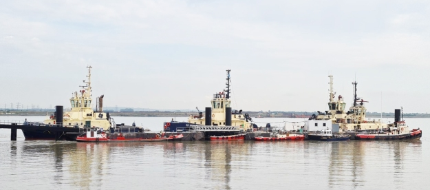 Tugs at Gravesend