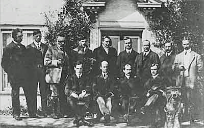 Aviation history, a group of pioneers. Back row left to right: JDF Andrews, Oswald,Horace and Eustace Short, Frank McClean, Griffith Brewer, Frank Hedges Butler, Dr. WJS Lockyer, Warwick Wright. Seated, left to right: JTC Moore-Brabazon, Wilbur Wright, Oliver Wright, Charles Rolls