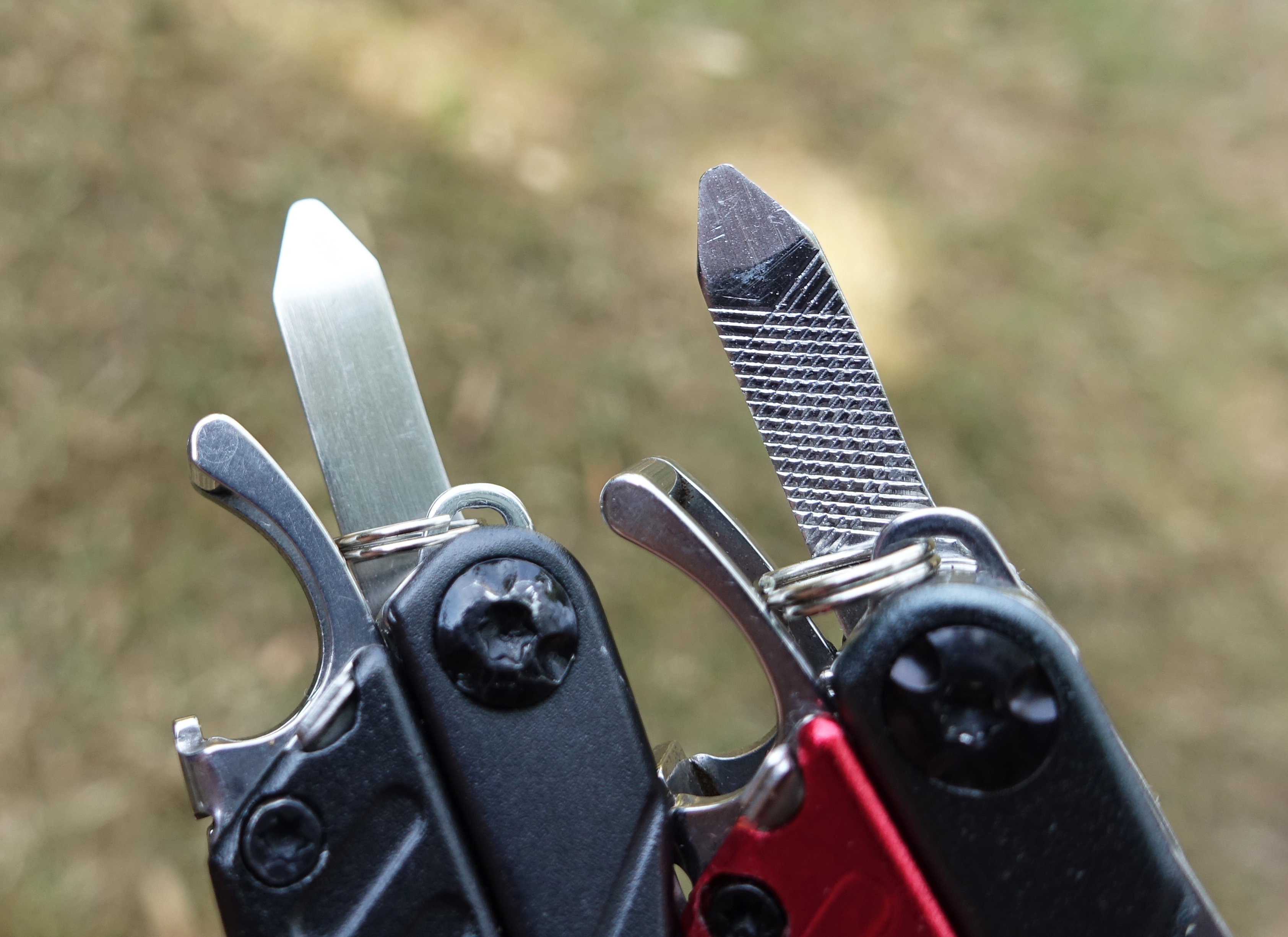 Comparing the smal Phillips head drivers on Dime Travel (left) and Dime (right)