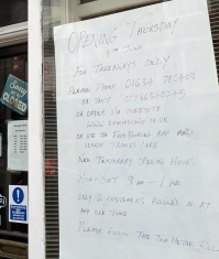 Notice in window of closed cafe in Gillingham