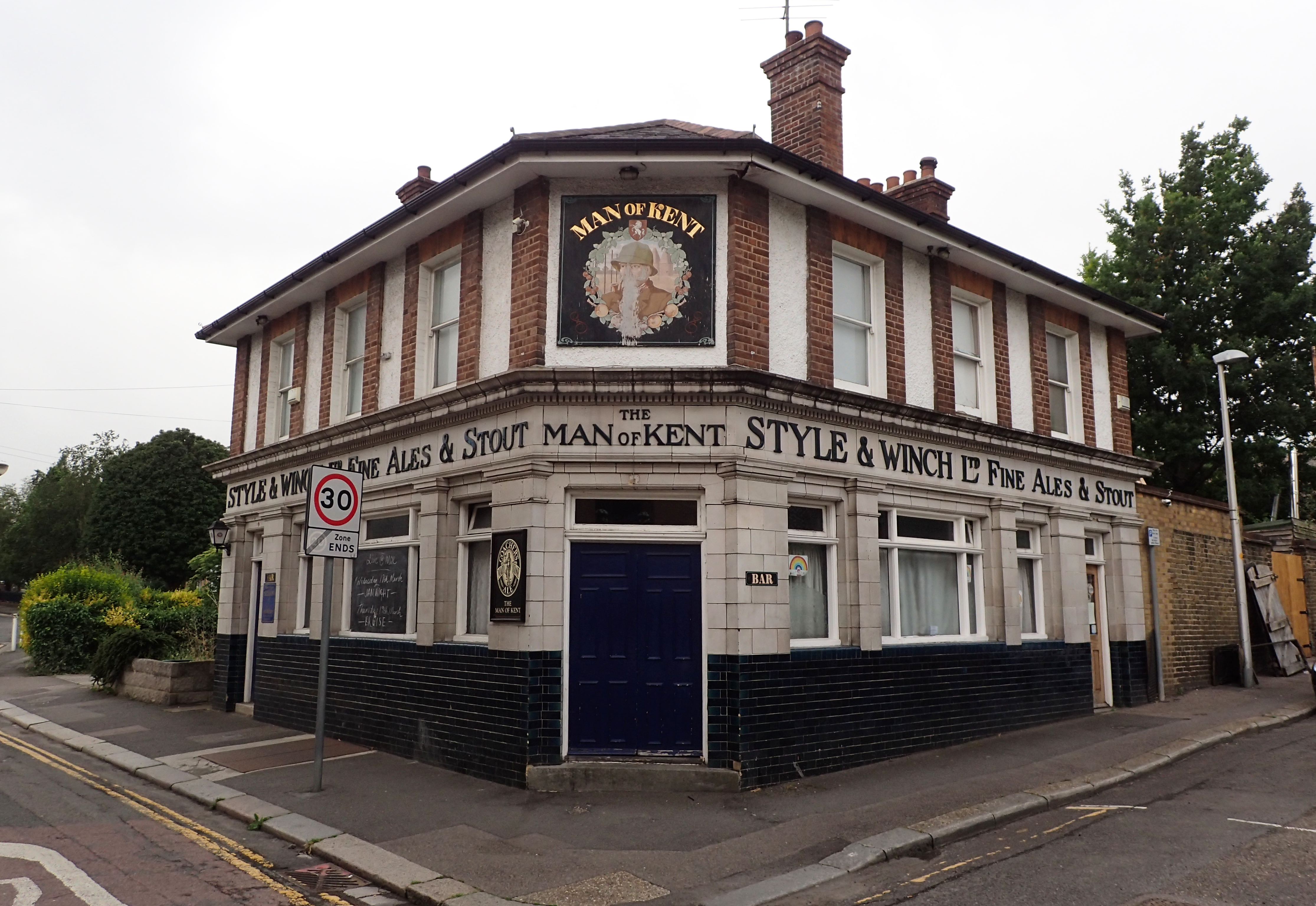 Classic English public house. Due to Covid-19, these wouldn't be allowed to open for some weeks yet. The roots of the Style & Winch brewery in Medway go back to 1799. They ceased brewing in 1965