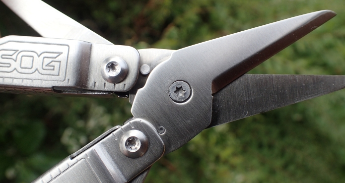 The SOG Snippet is based around one of the best scissors found on any small multi-tool