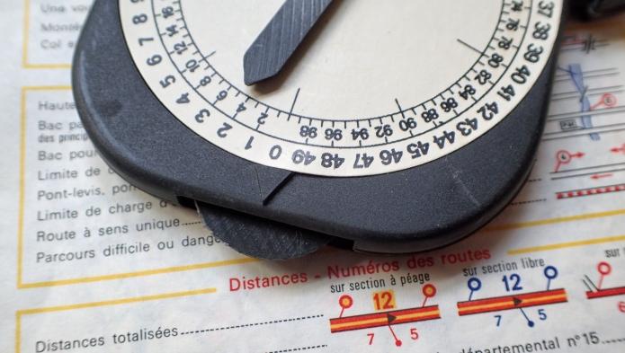Plastic tracking wheel on le curvimetre