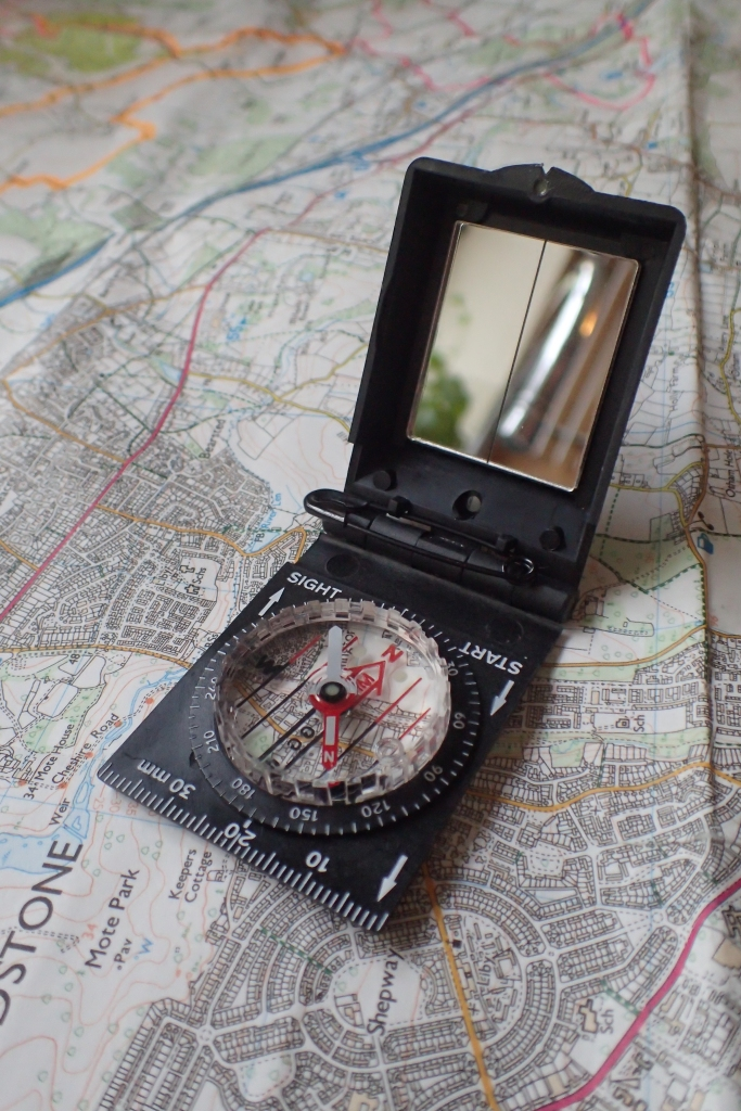 Silva Ranger SL is a small sighting compass, complete with small mirror