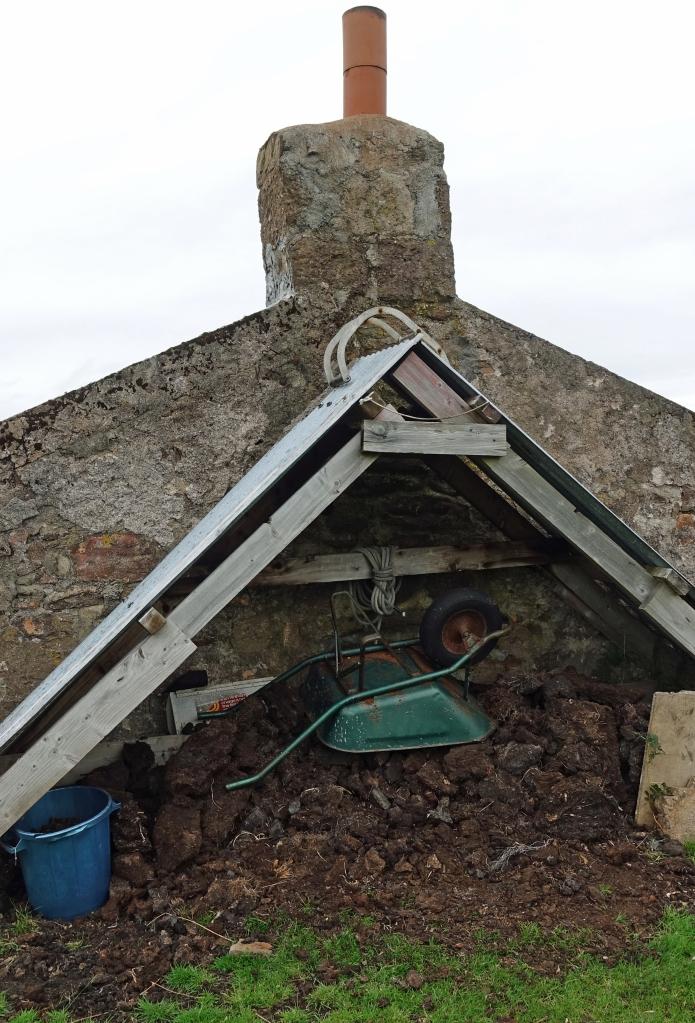 Peat supply at Strathchailleach