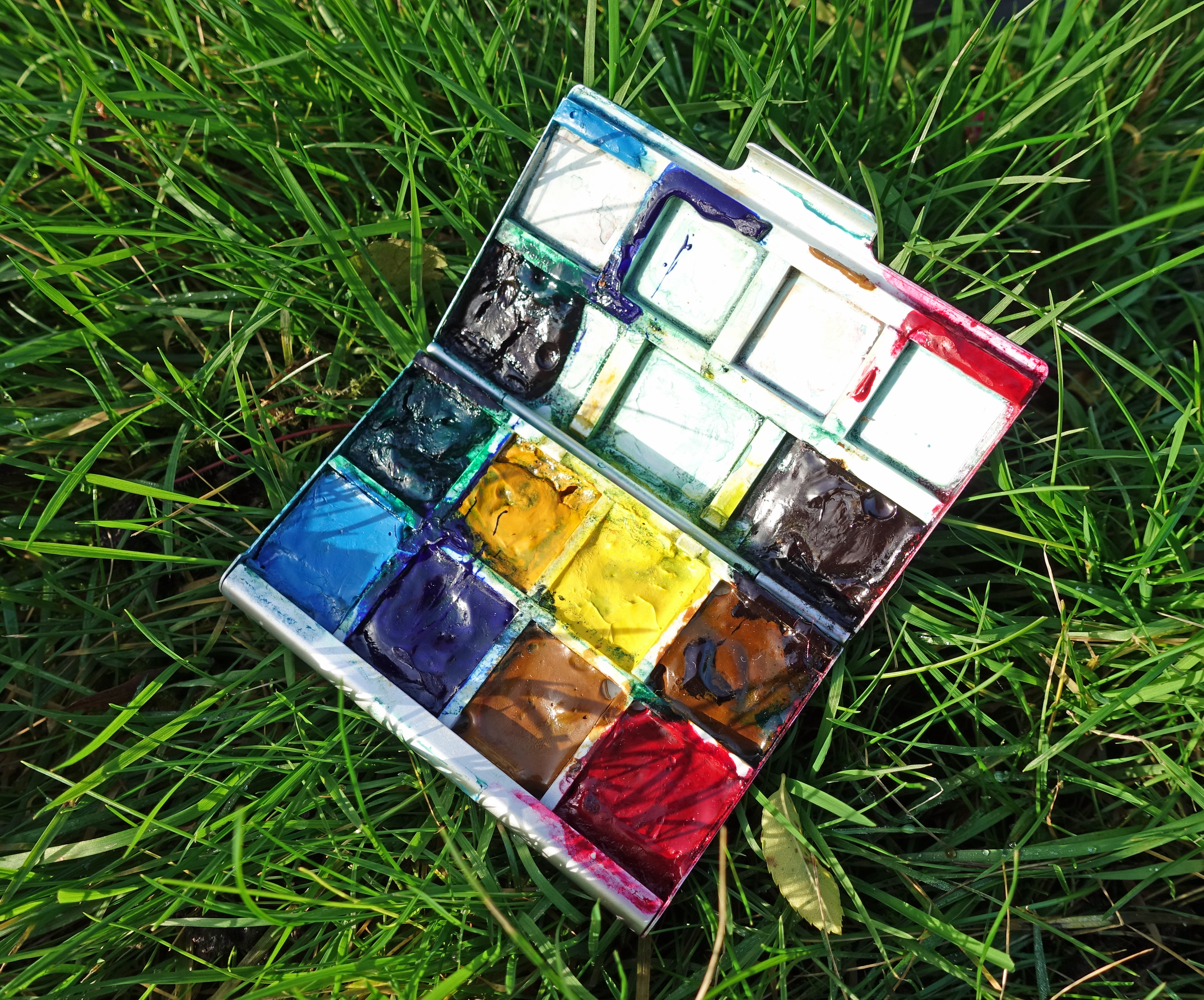 Home made mini paint palette