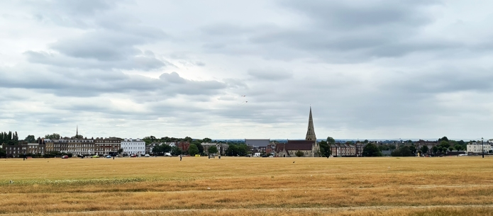 Parched Blackheath i supposedly a green sapce but is laregely unattractive with the main A2 passing through it. On 23 November 1415 it was packed with Londoners cheering a returning Henry V, victorious at Agincourt. A five hour victory march returned back the way I had come, to London Bridge