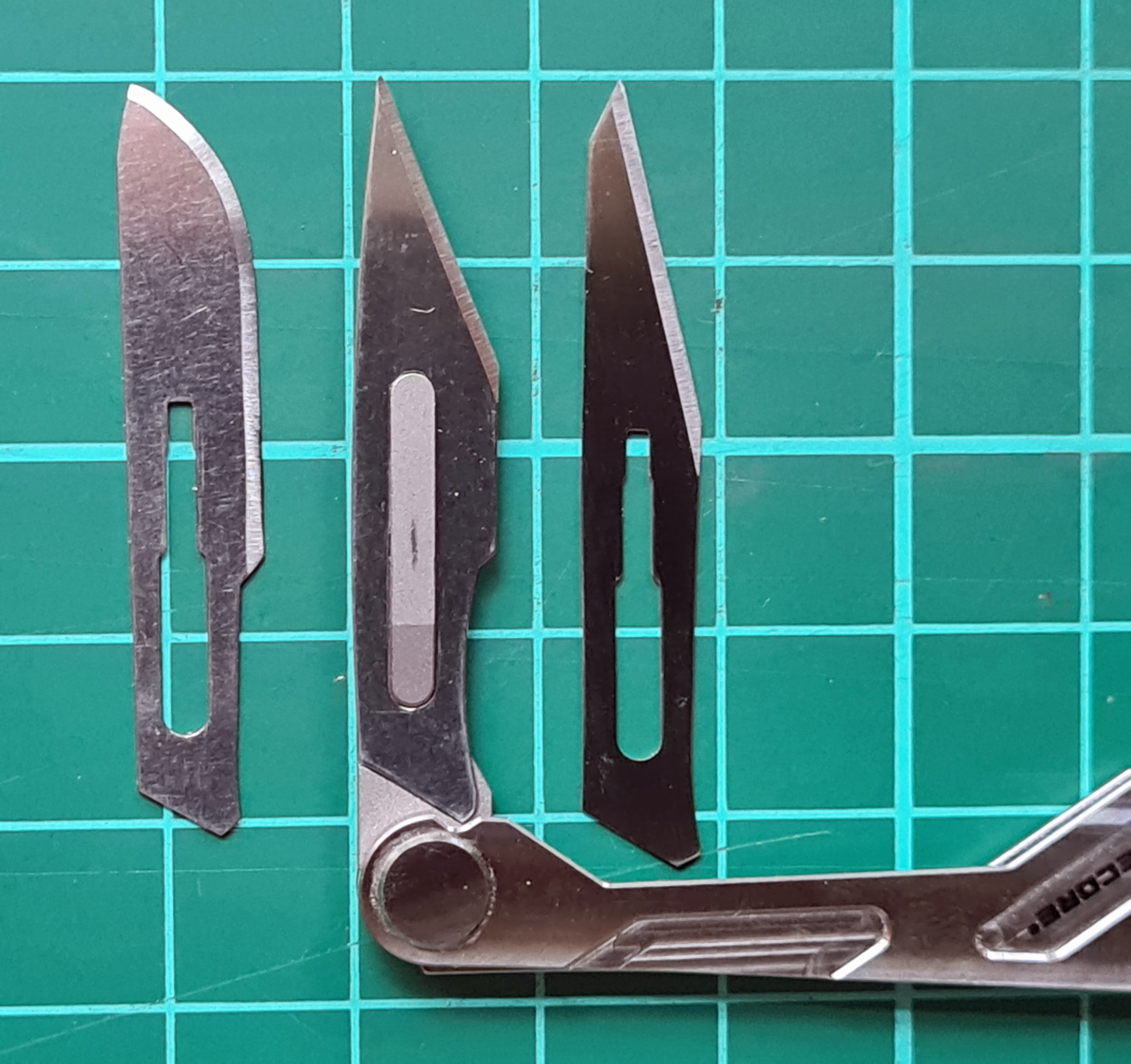 Cutting edge shape and length of blades No. 10, 10A and 11