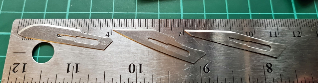 Scalpel blade cutting edge lengths- No. 10: 26mm, No. 10A: 17mm, No. 11: 20mm