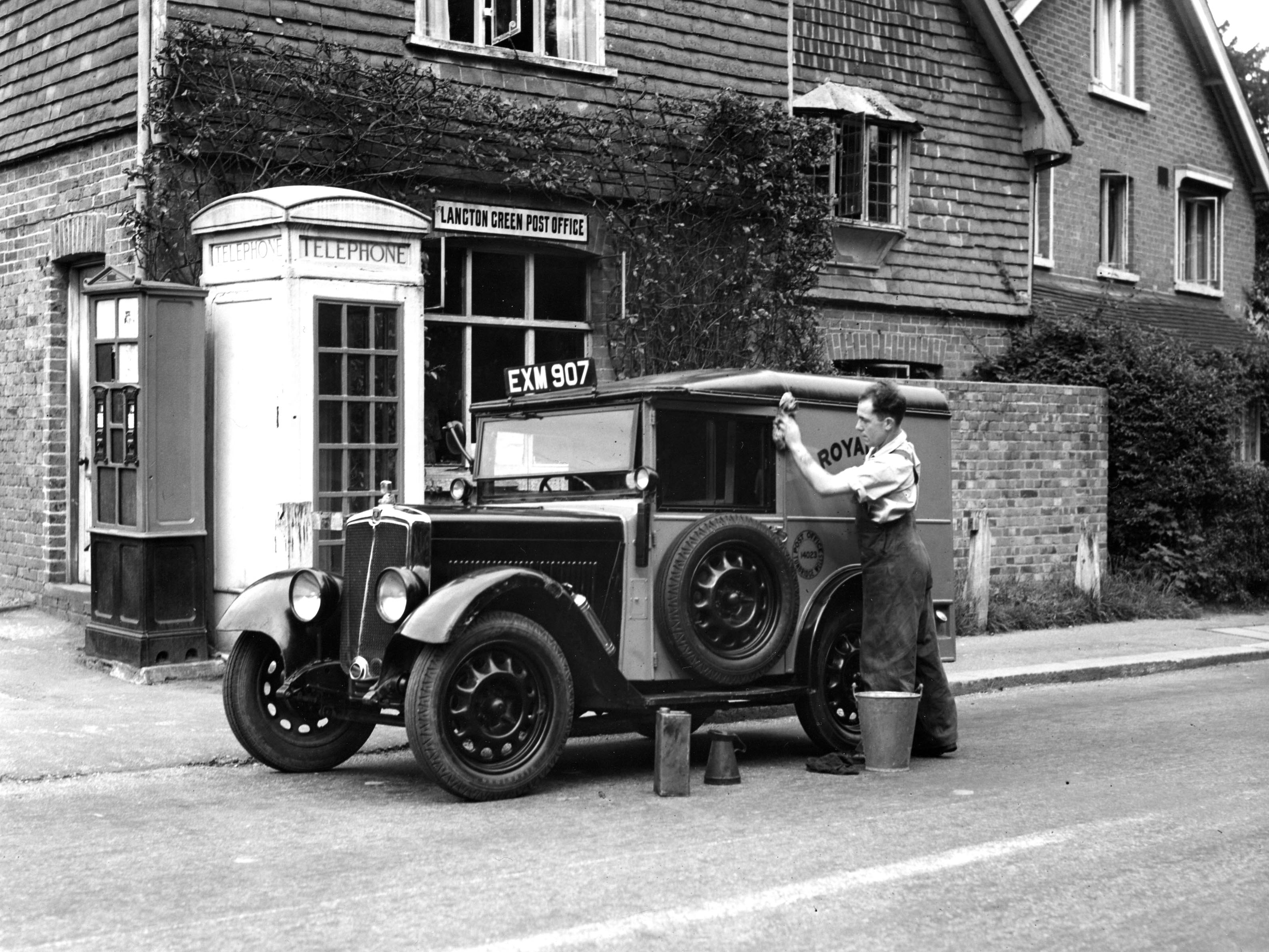 Another era. Concrete K3 telephone kiosk at Langton Green in the 1930s