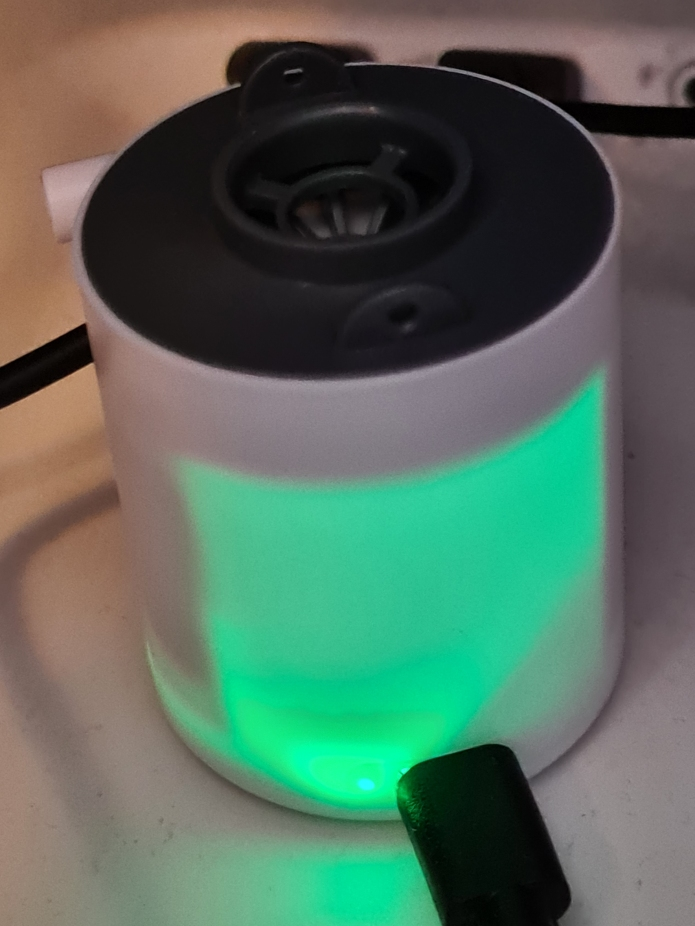 Green light in pump while on charge