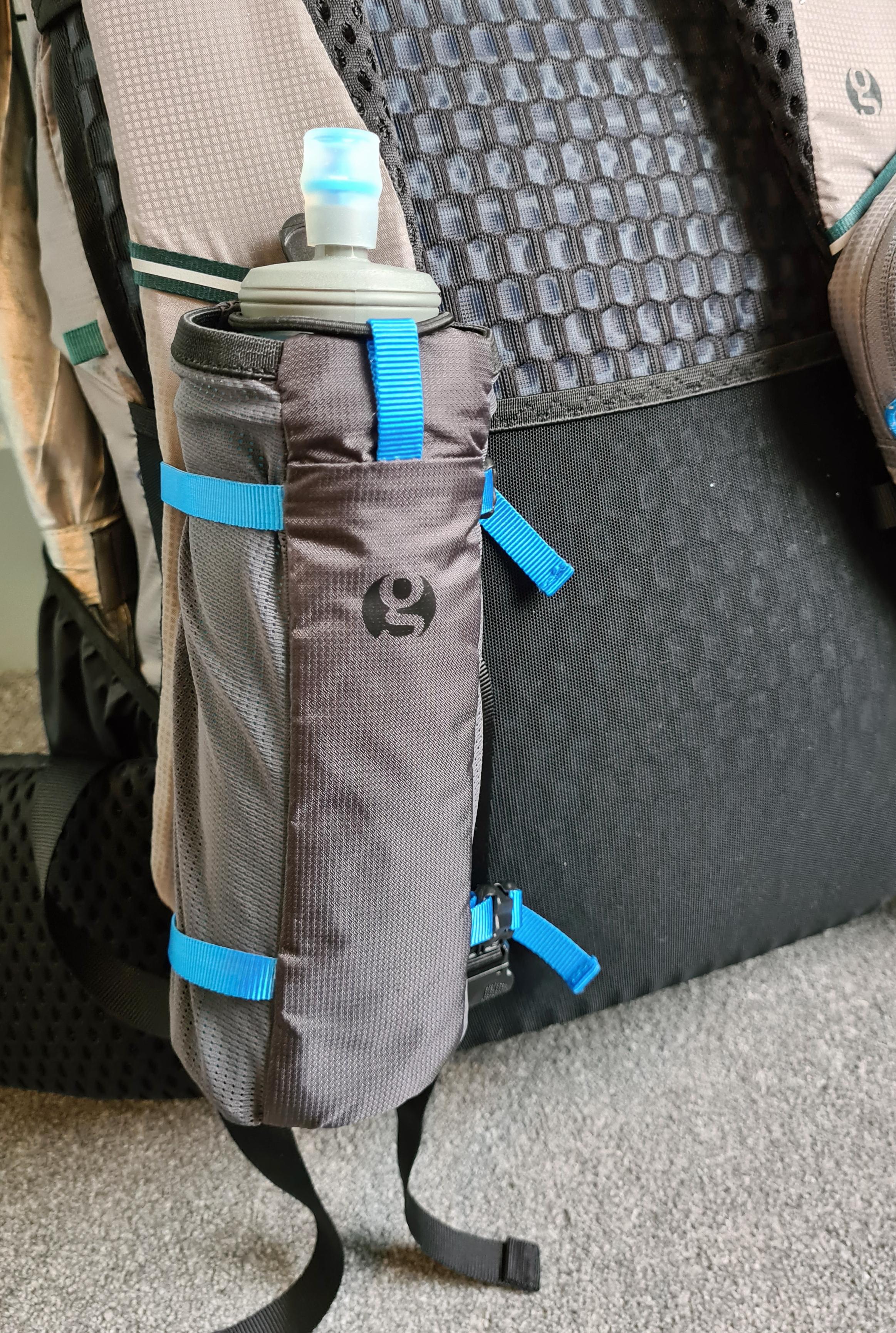 600ml HydraPak Ultraflask in Gossamer Gear Bottle Rocket shoulder strap bottle holder