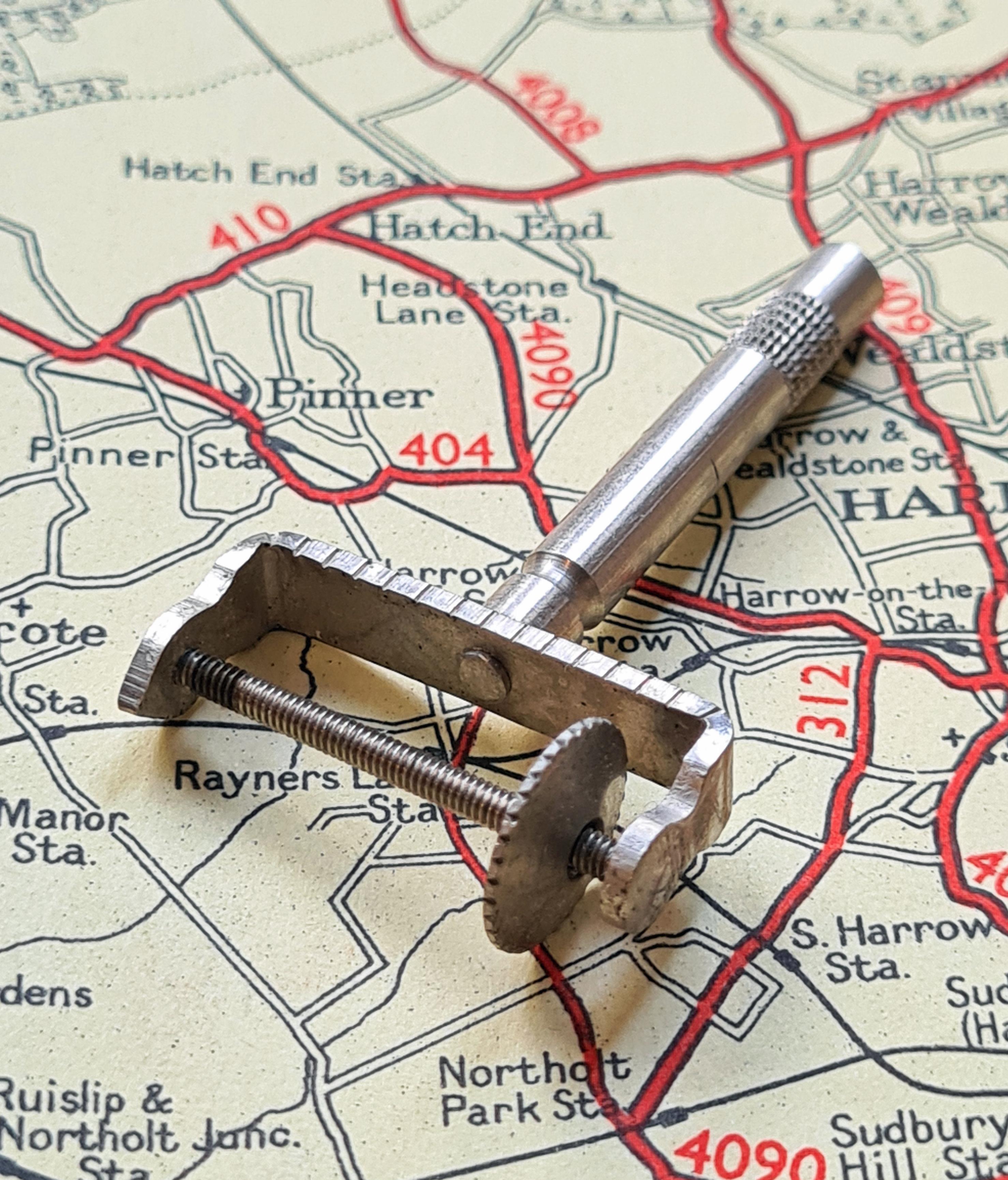 Philips' Universal Map Measurer
