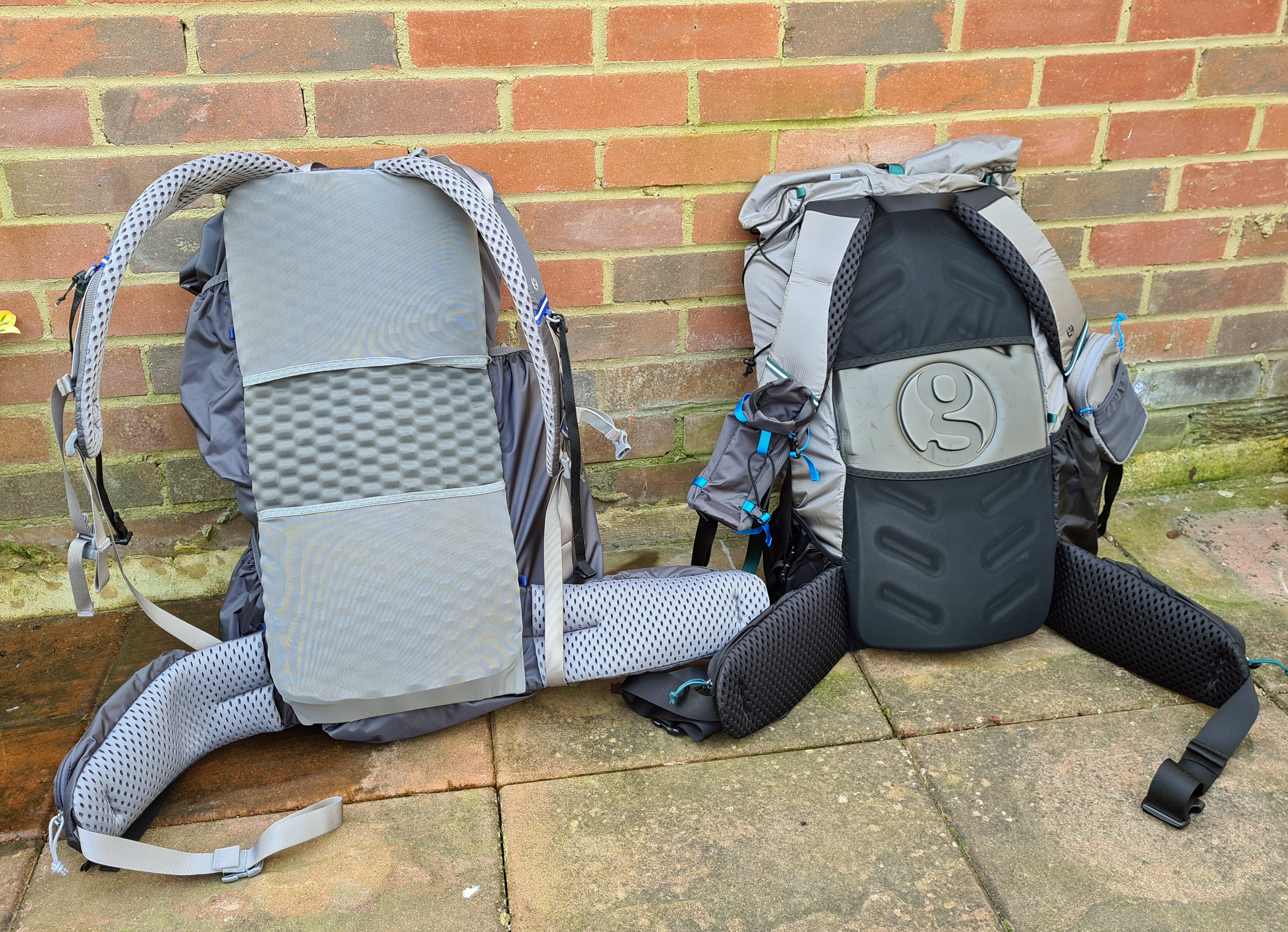 Nov 2019 Mariposa with 'eggcrate' pad and 2020 G4-20 with Rigid back pad as supplied