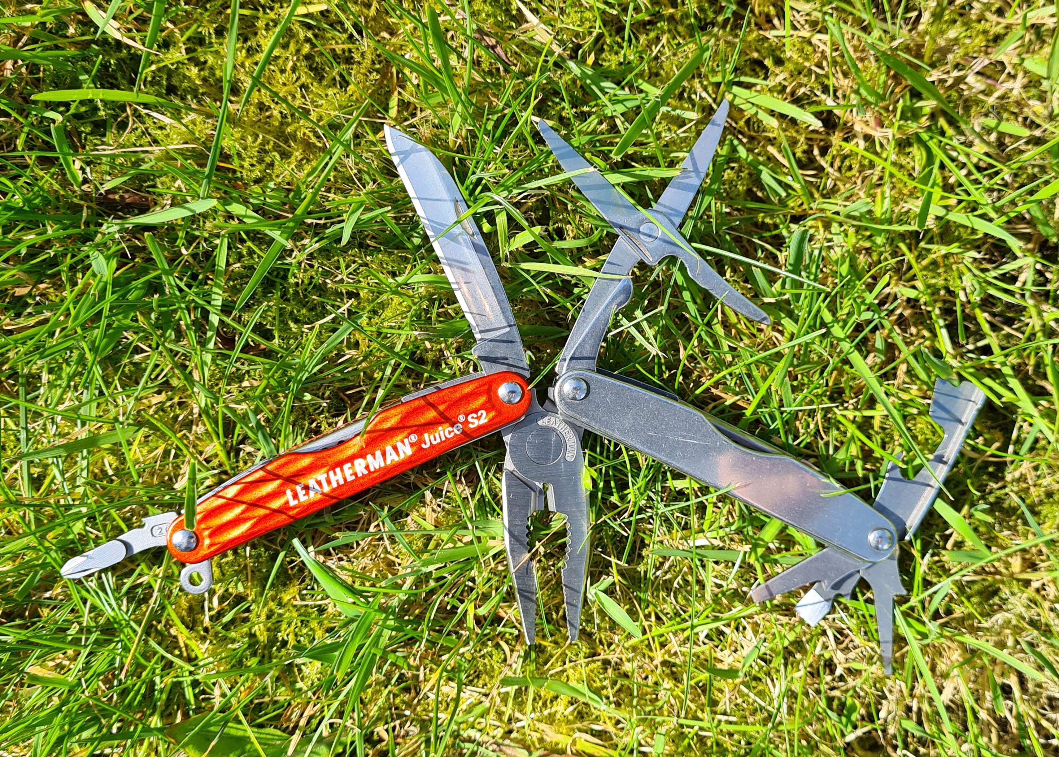 Leatherman Juice S2 with all tools opened
