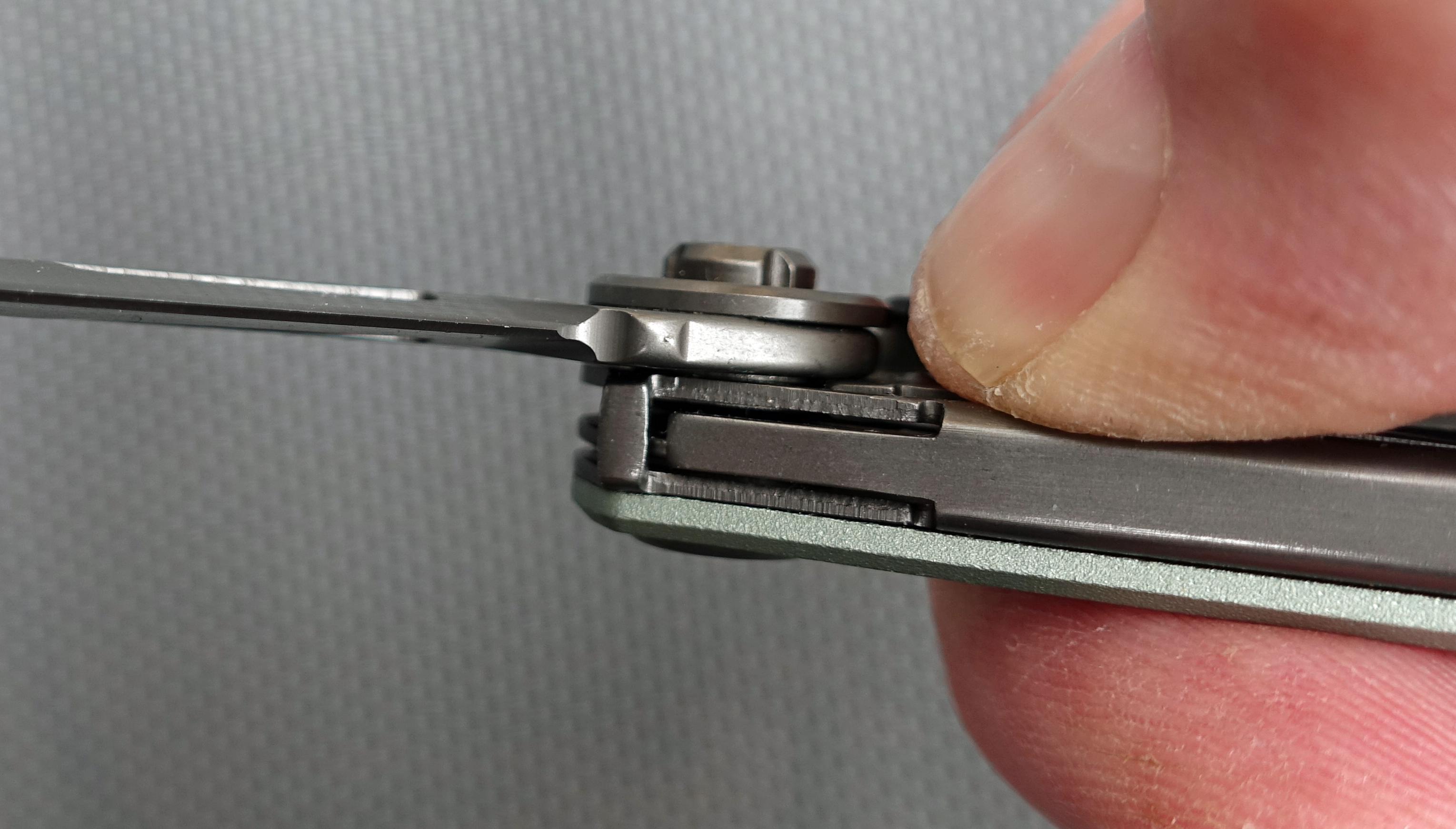 Effective frame lock