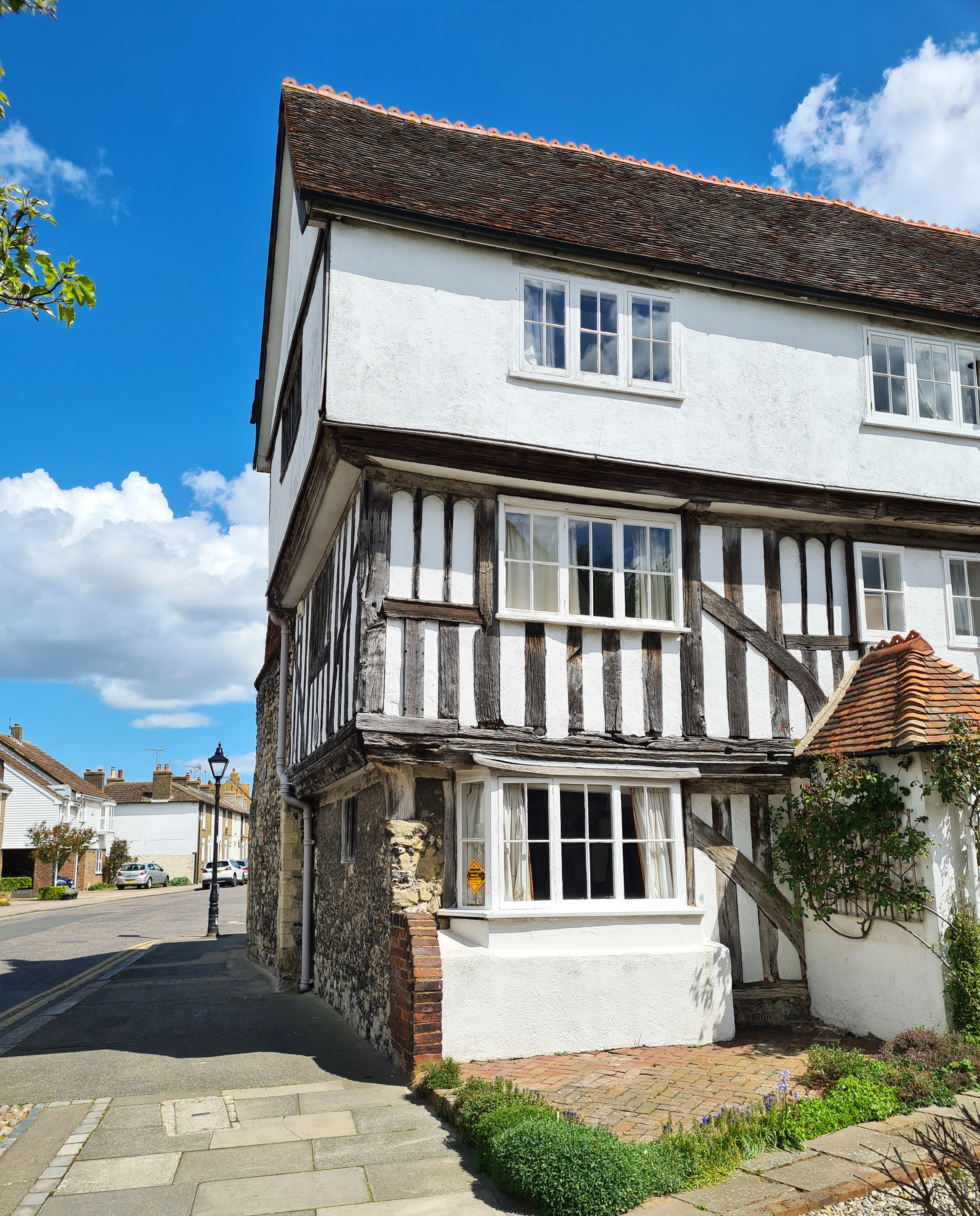 Abbey Street has altered considerably over the centuries. Arden's House incorporates part of the outer gateway to the long gone Abbey. Cardinal Wolsey stayed here when it acted as the town's guest house for prominent visitors