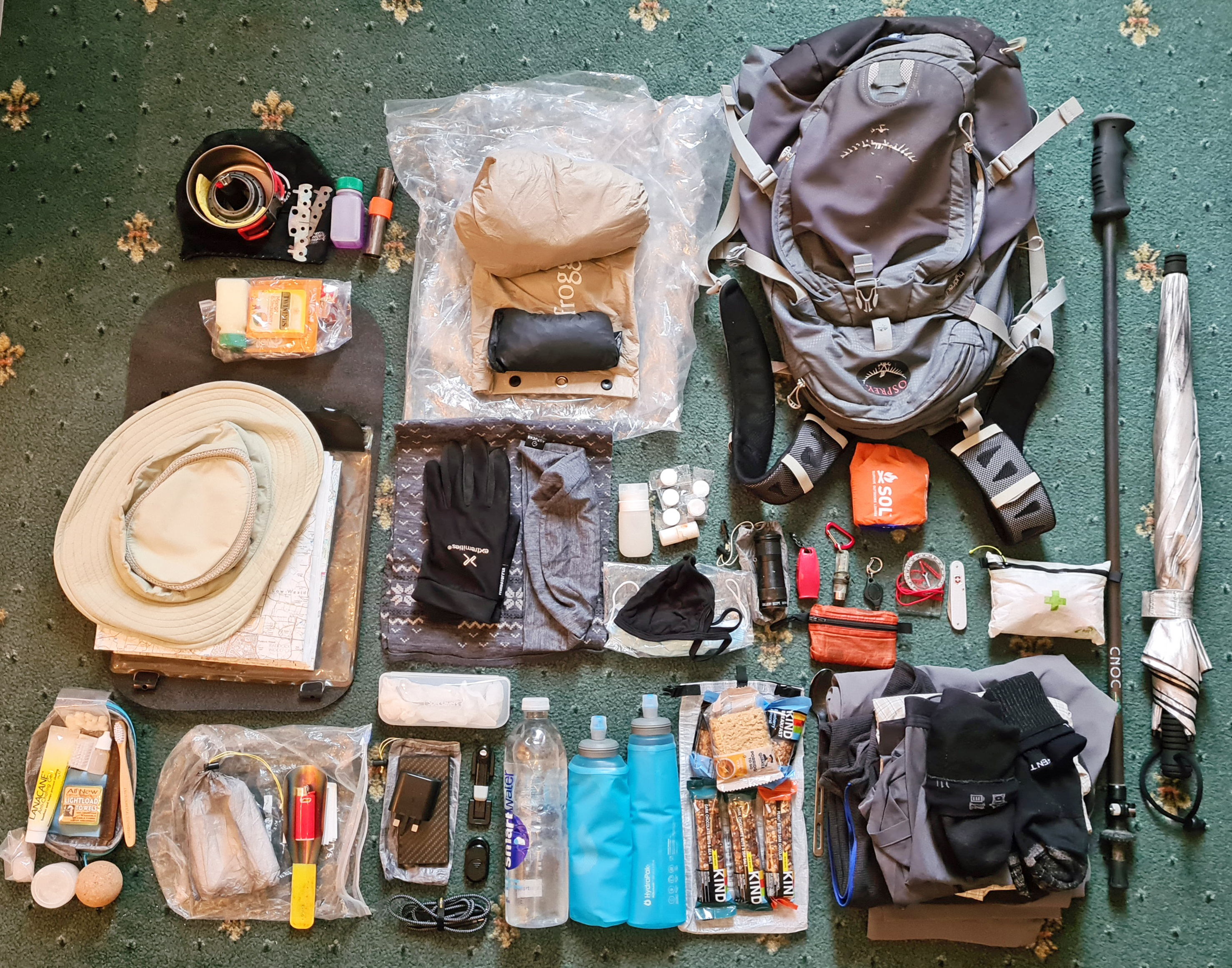 Expecting a range of weather conditions there was a fair amount of gear packed into my standard Osprey day pack for my two day hike. This included a clean set of town clothes for venturing out of an evening, and a small meths brew kit for each day