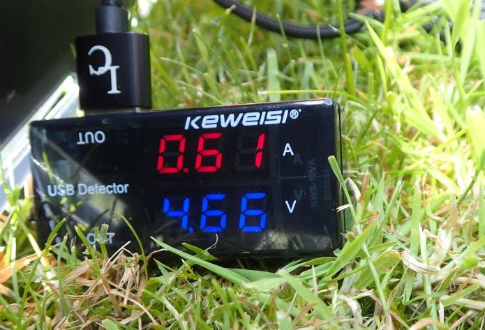 Duragadget solar panel charging Nitecore NB10000 powerbank