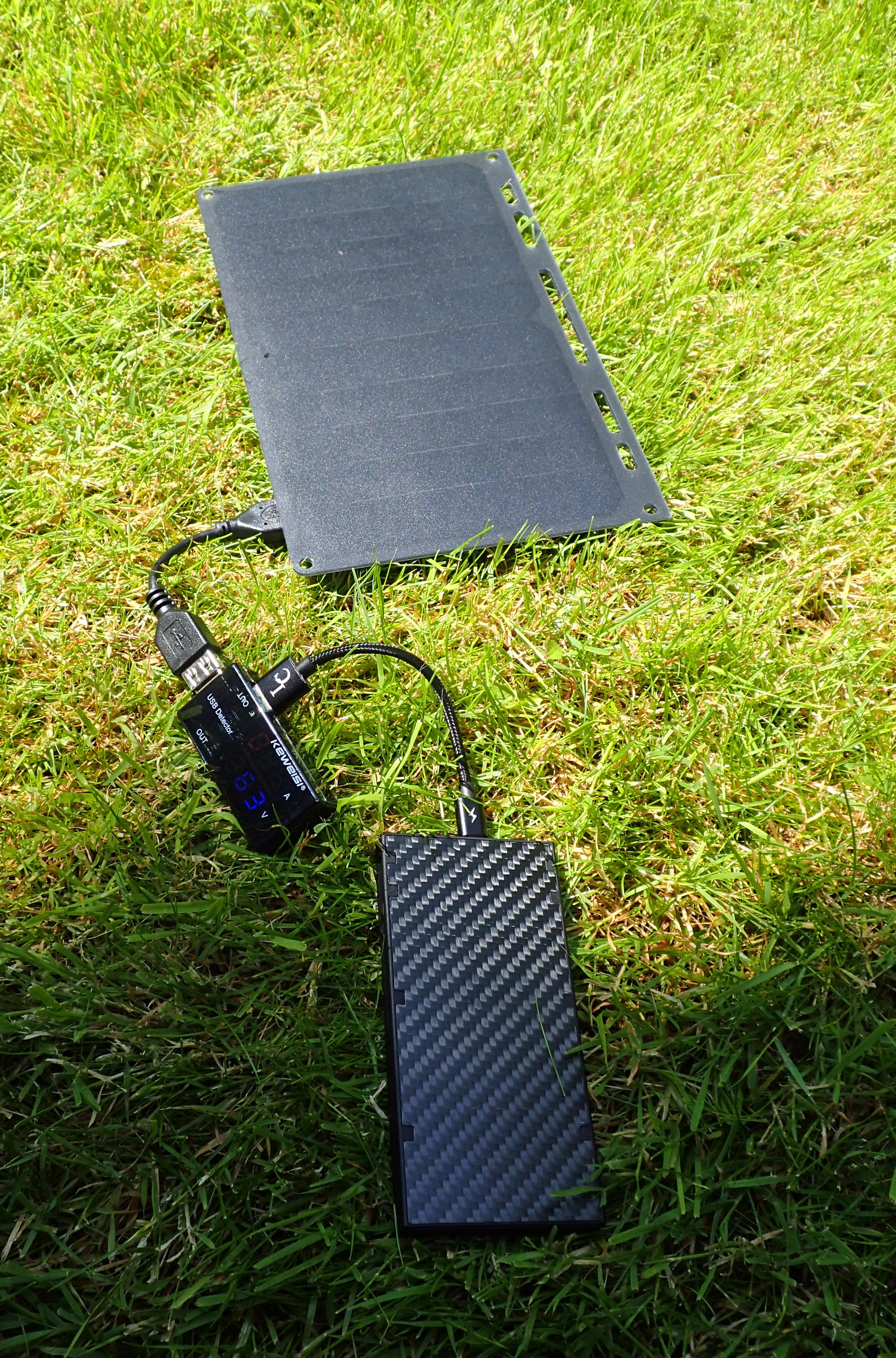 Lixada '10w' solar panel charging Nitecore NB10000 powerbank