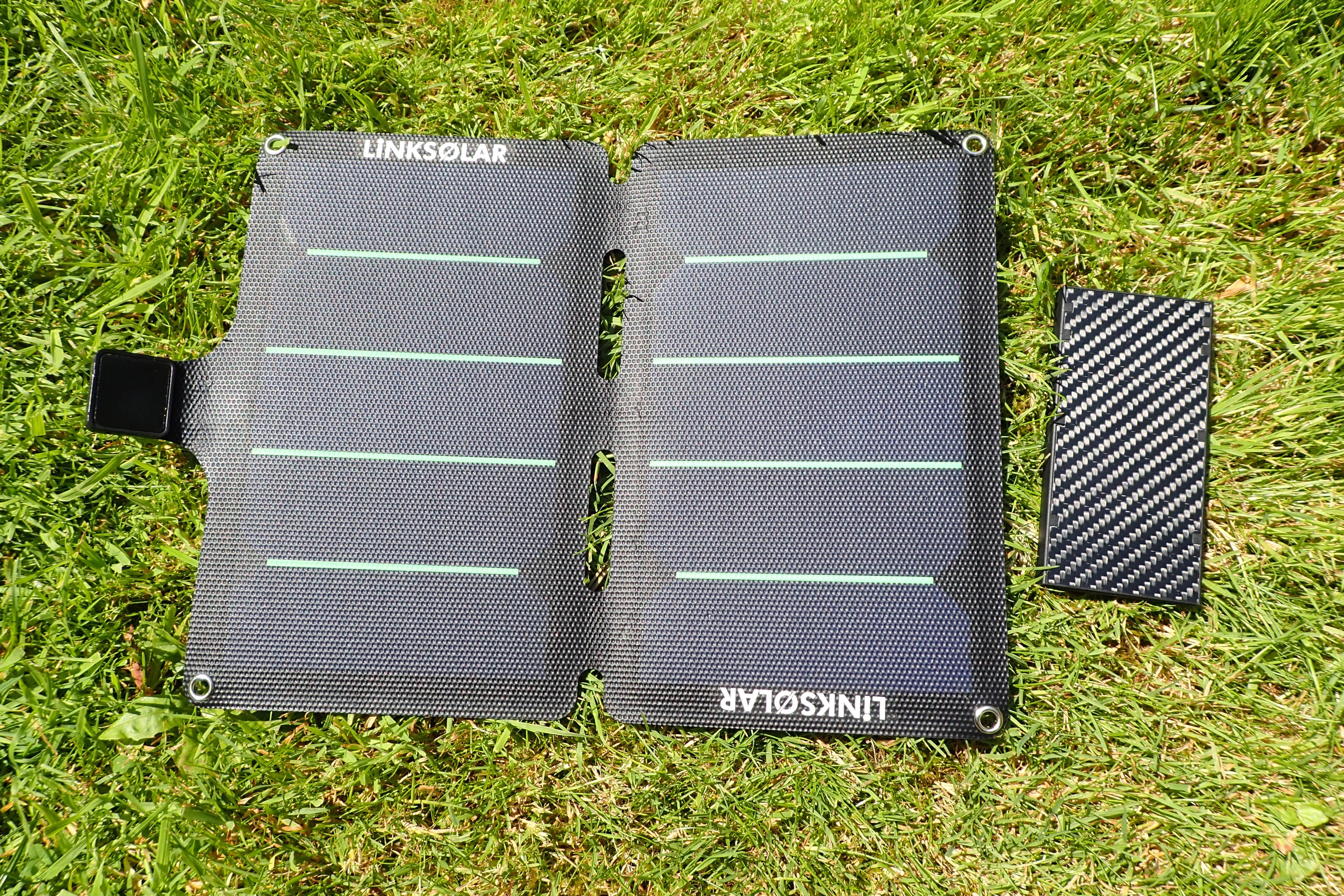 Link Solar 11w panel with Nitecore NB100000 Powerbank