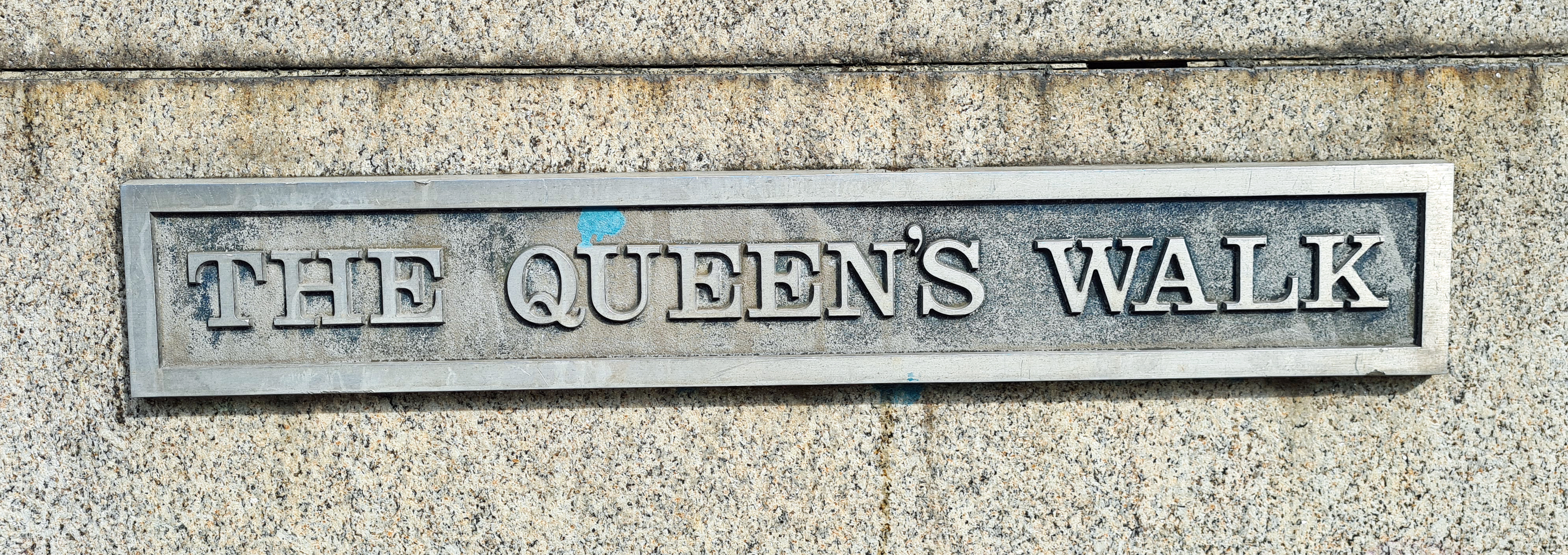 The Queen's Walk was part of an opening up and redevelopment of the South Bank and was incorporated into the Silver Jubilee Walkway