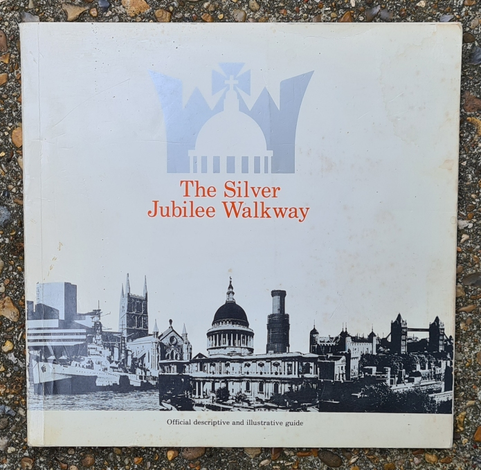 The Silver Jubilee Walkway, official guide from 1977