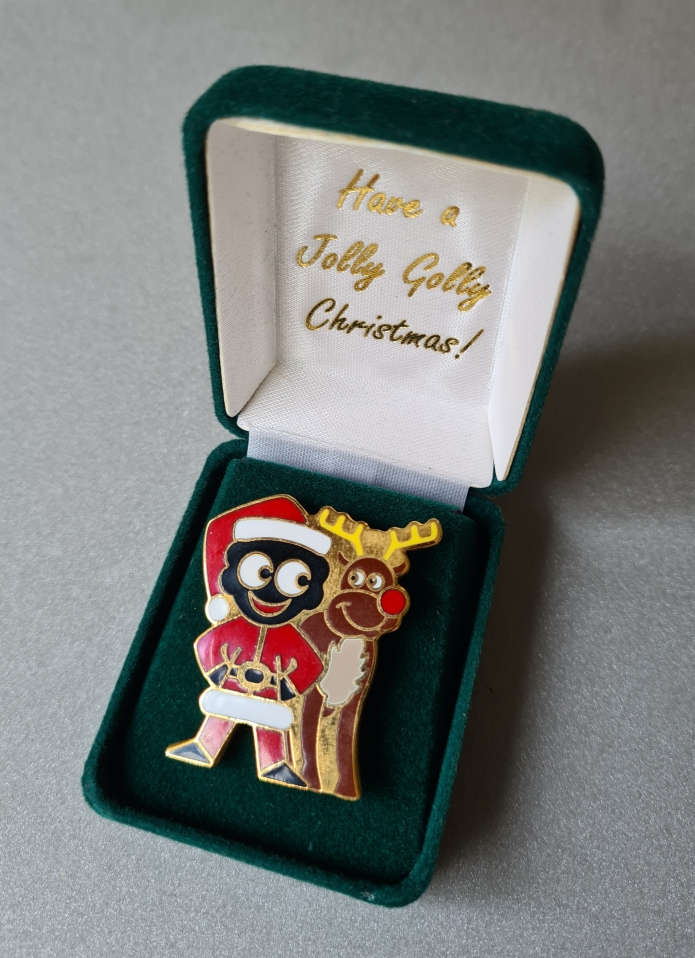 Father Christmas Golly and Rudolf badge issued 1 November 1998. Sequentially numbered: 8918 of 10000