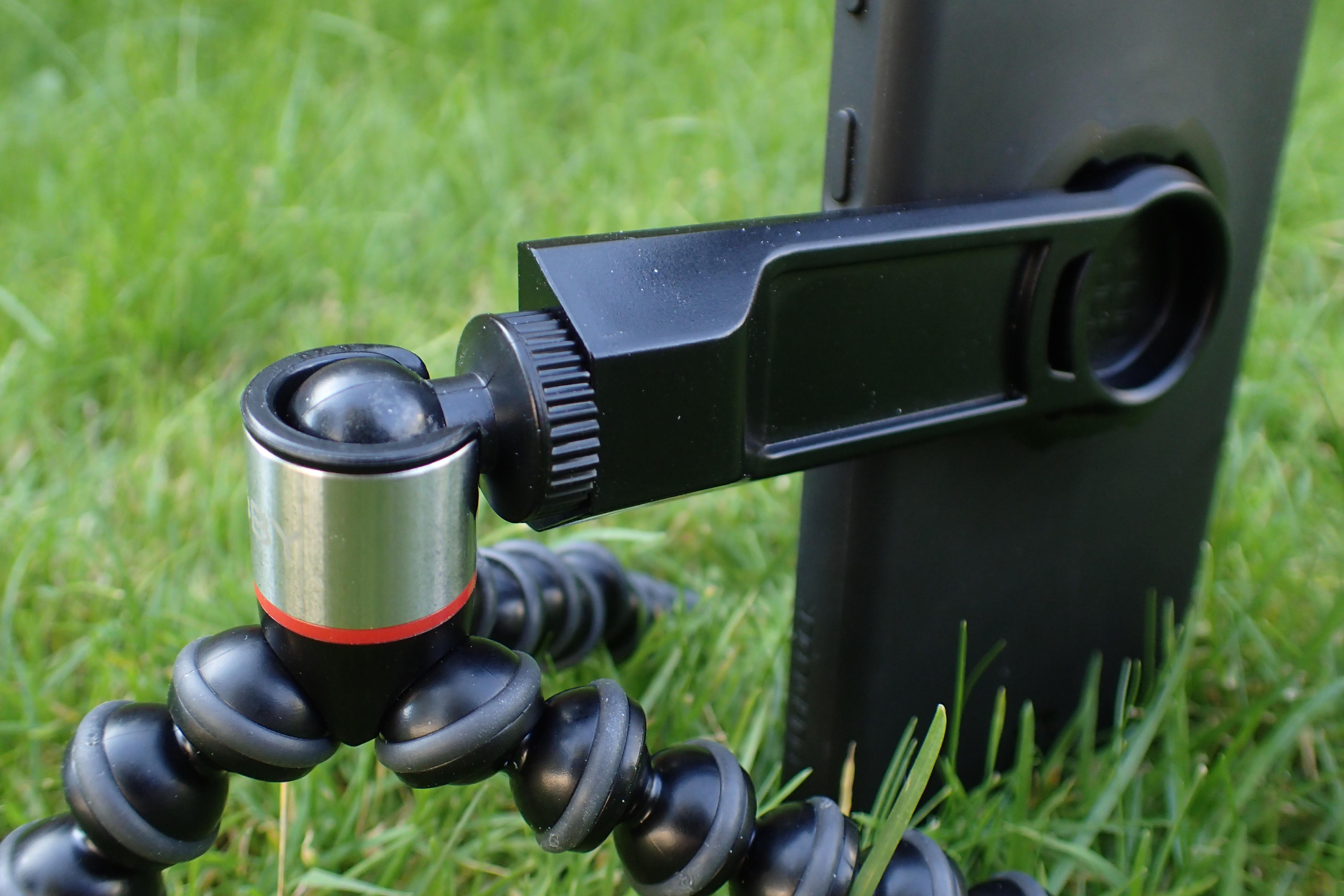 Ninety degree tilt on camera mount