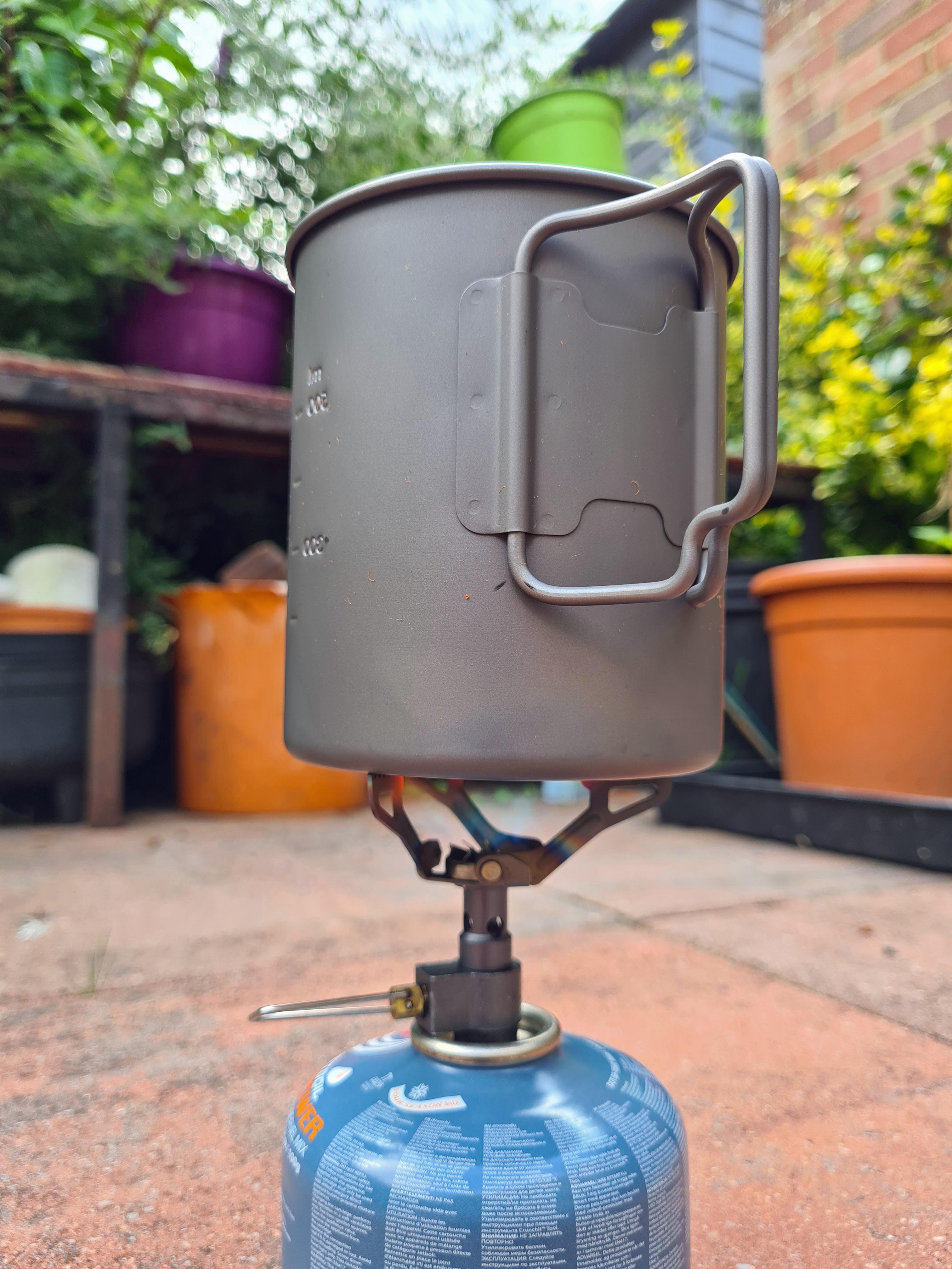 BRS with Toaks 750ml titanium pot