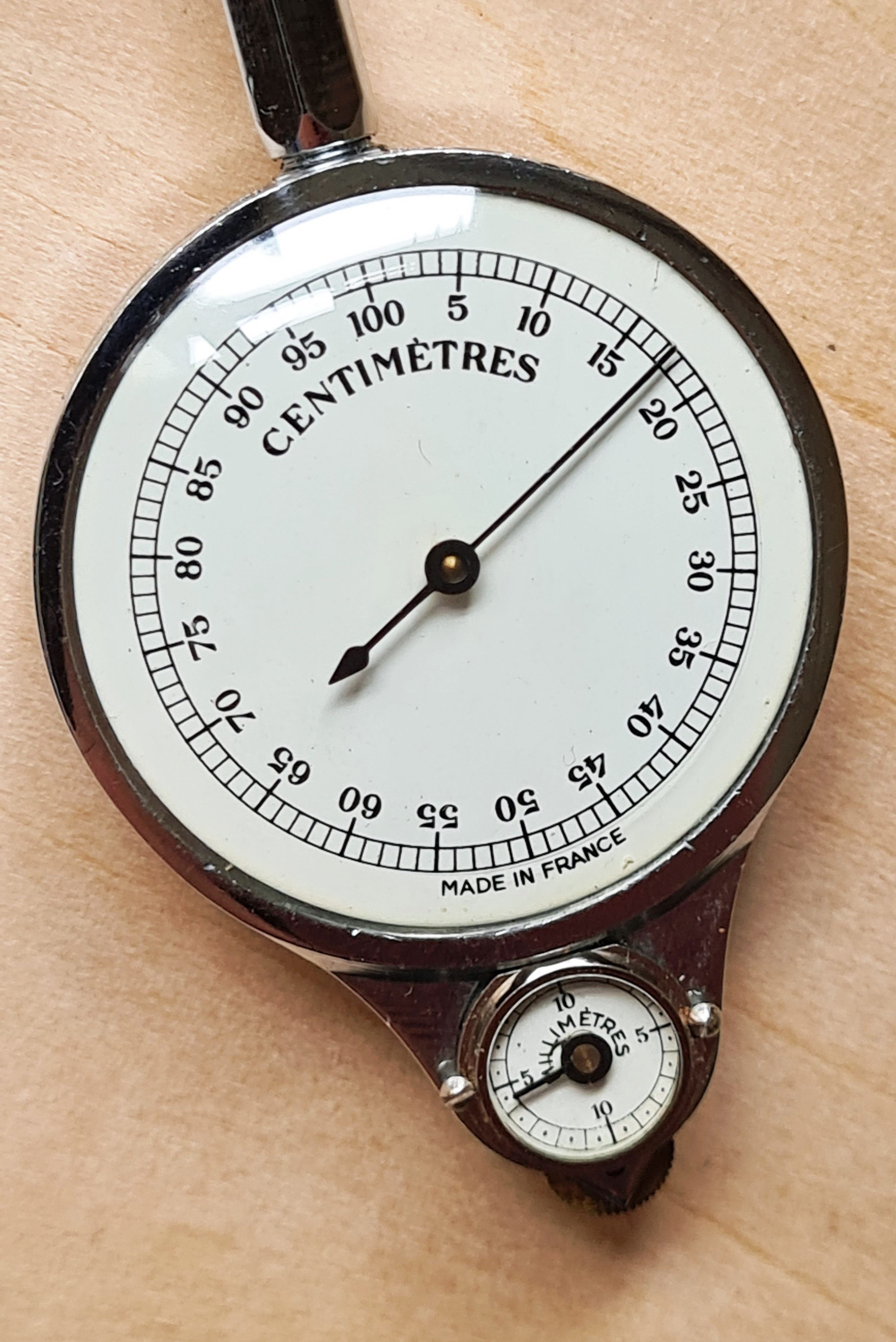 The two dials on model 54M