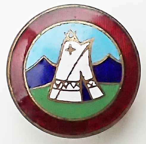 Enamel club badges were available for members to purchase. Their use was recommended to enable members to 'recognise their fellows in the sport, and as a passport when camping on an official site'